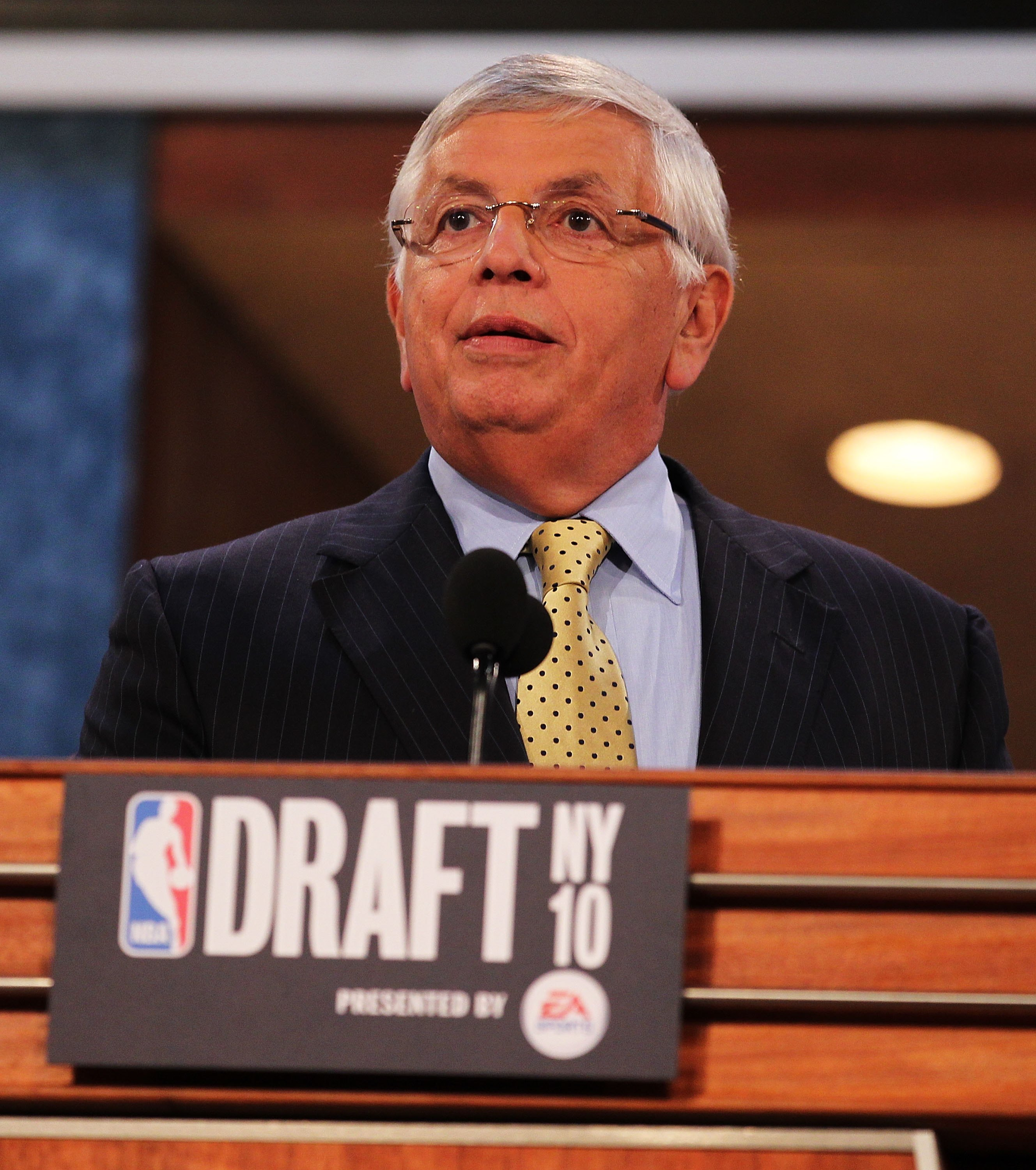 NEW YORK - JUNE 24:  NBA Commisioner David Stern speaks at the NBA Draft at Madison Square Garden on June 24, 2010 in New York, New York.  (Photo by Al Bello/Getty Images)