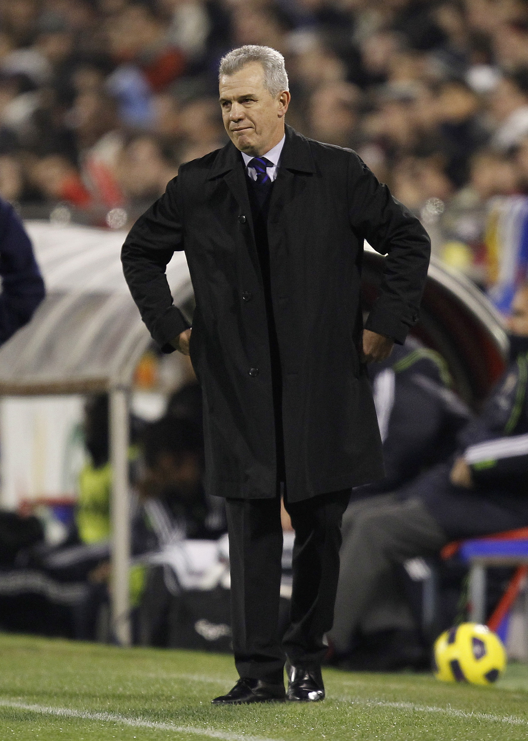 ZARAGOZA, SPAIN - DECEMBER 12: Head coach Javier Aguirre of Zaragoza reacts during the La Liga match between Real Zaragoza and Real Madrid at La Romareda stadium on December 12, 2010 in Zaragoza, Spain. (Photo by Angel Martinez/Getty Images)