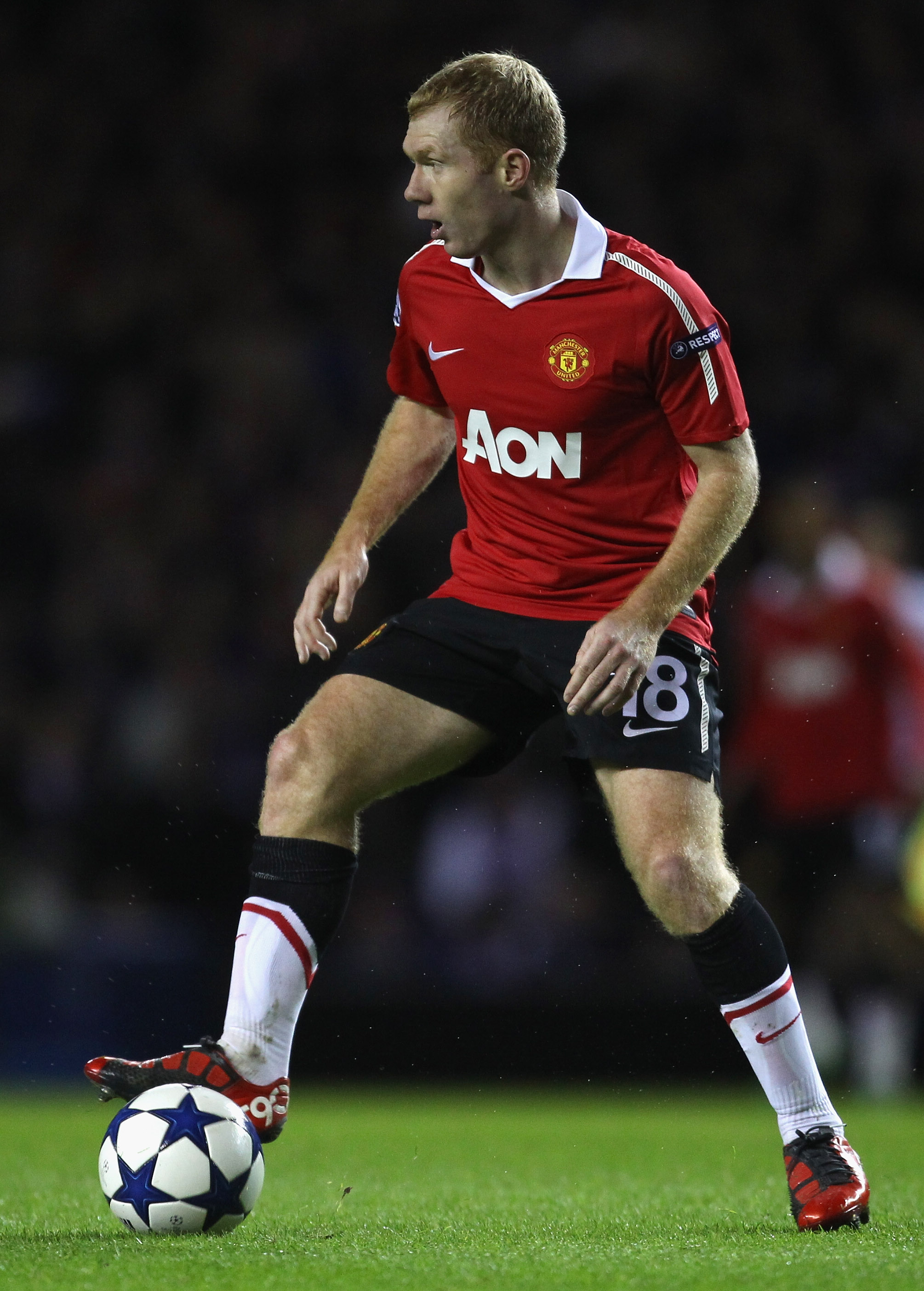 GLASGOW, SCOTLAND - NOVEMBER 24:  Paul Scholes of Manchester United during the UEFA Champions League Group C match between Glasgow Rangers and Manchester United at Ibrox on November 24, 2010 in Glasgow, Scotland.  (Photo by Alex Livesey/Getty Images)