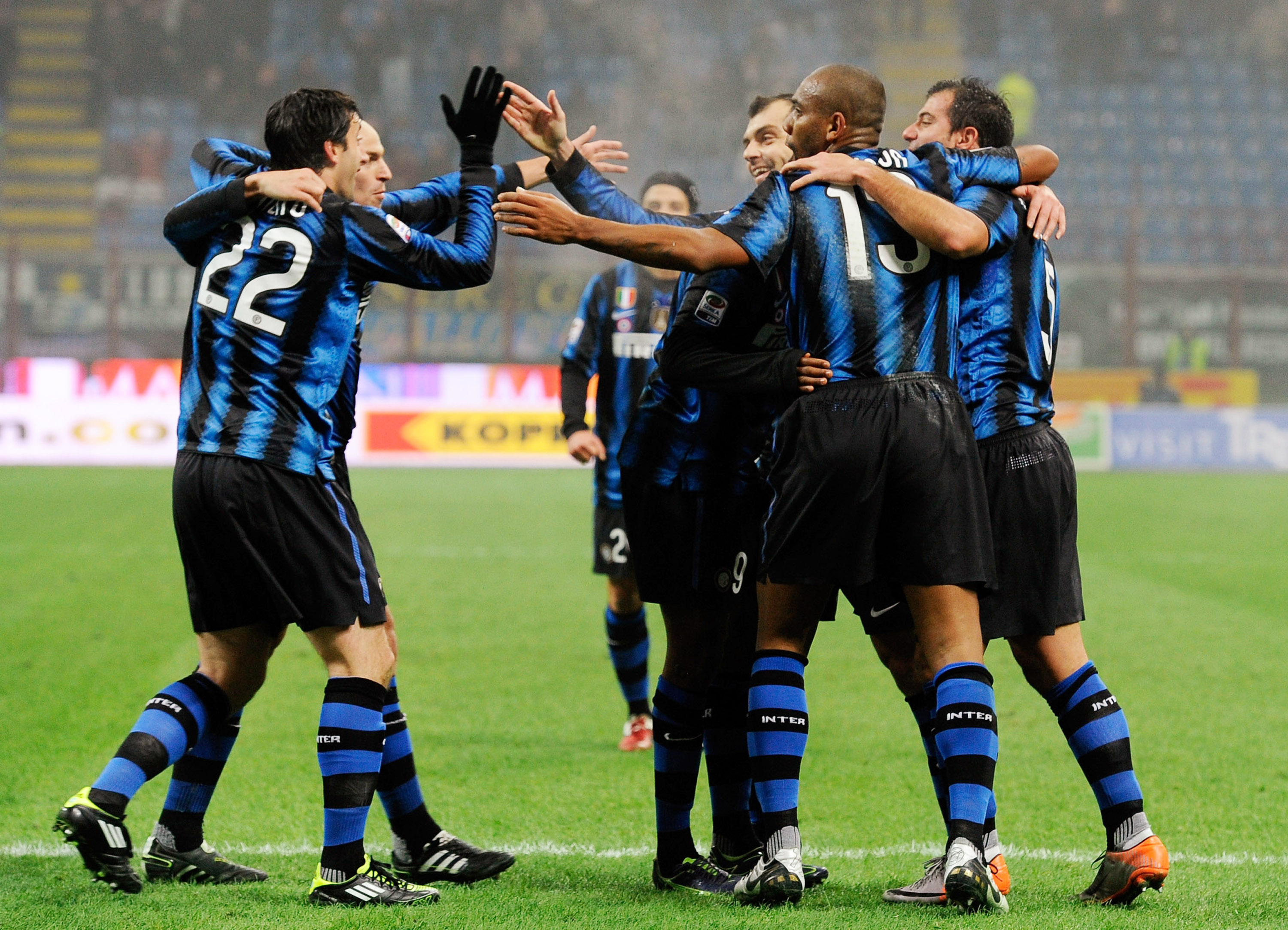 MILAN, ITALY - JANUARY 19:  Diego Alberto Milito of Inter Milan celebrates scoring the second goal during the Serie A match between Inter and Cesena at Stadio Giuseppe Meazza on January 19, 2011 in Milan, Italy.  (Photo by Claudio Villa/Getty Images)