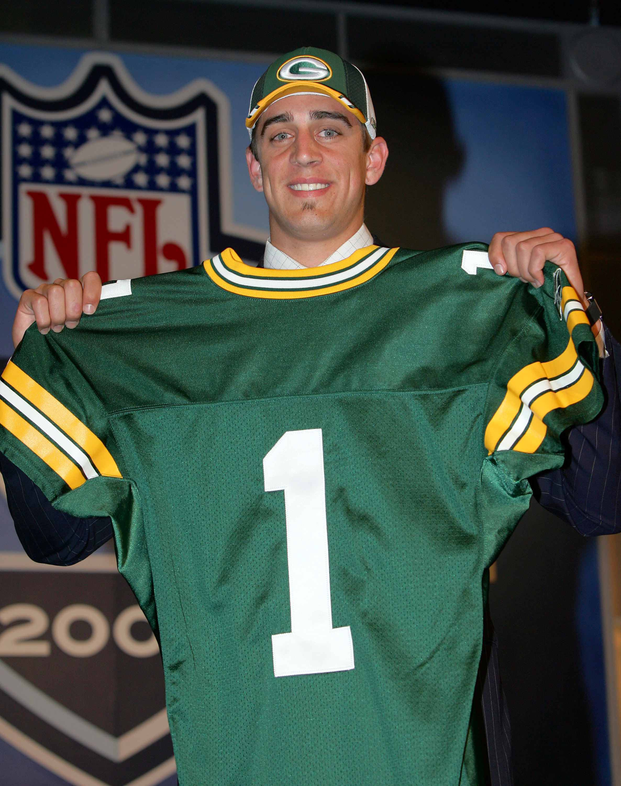 Rodgers slides to #24 where Green Bay Snags Him