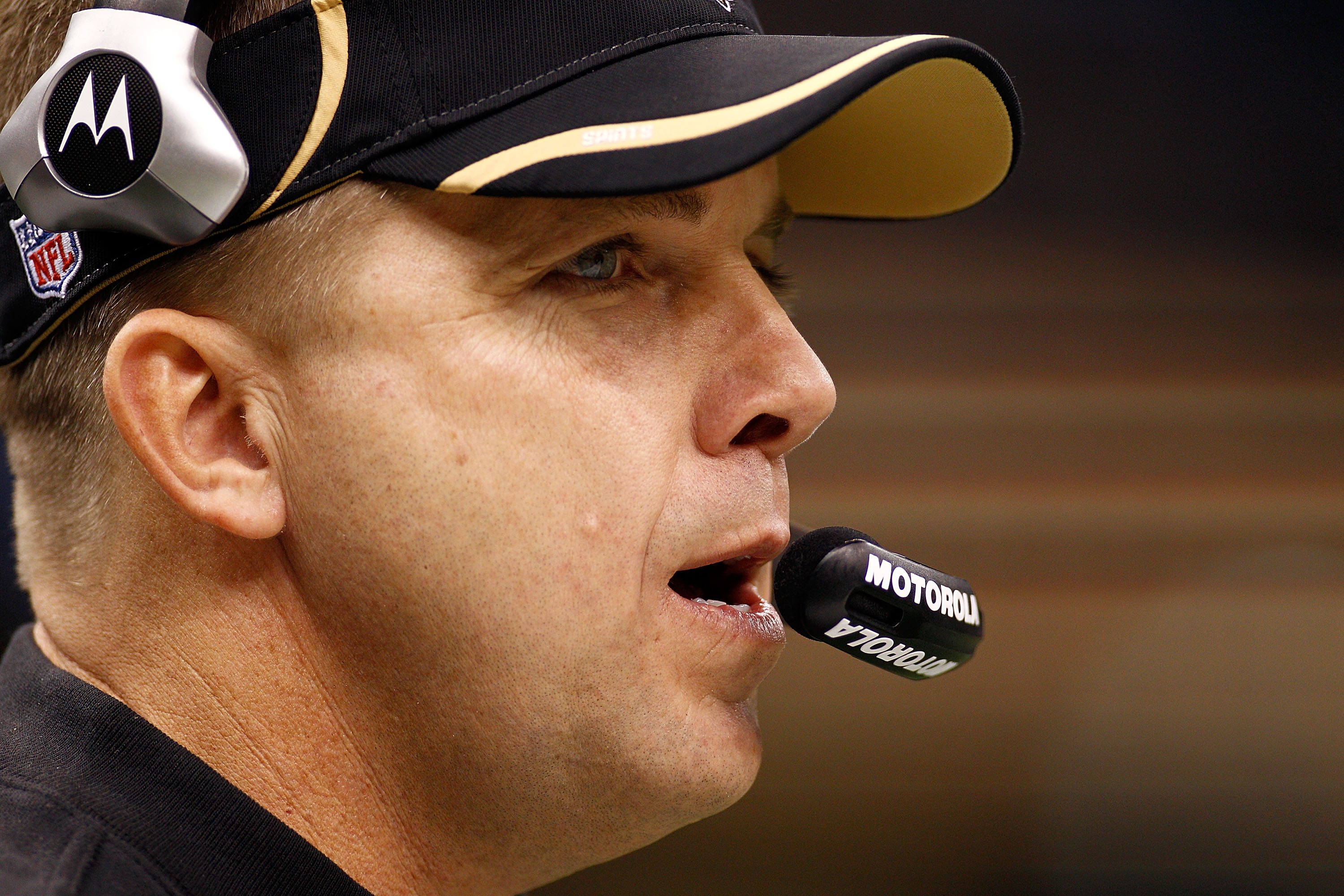 NEW ORLEANS, LA - JANUARY 02:  Head coach Sean Payton of the New Orleans Saints watches a play during the game against the Tampa Bay Buccaneers at the Louisiana Superdome on January 2, 2011 in New Orleans, Louisiana.  The Buccaneers defeated the Saints 23