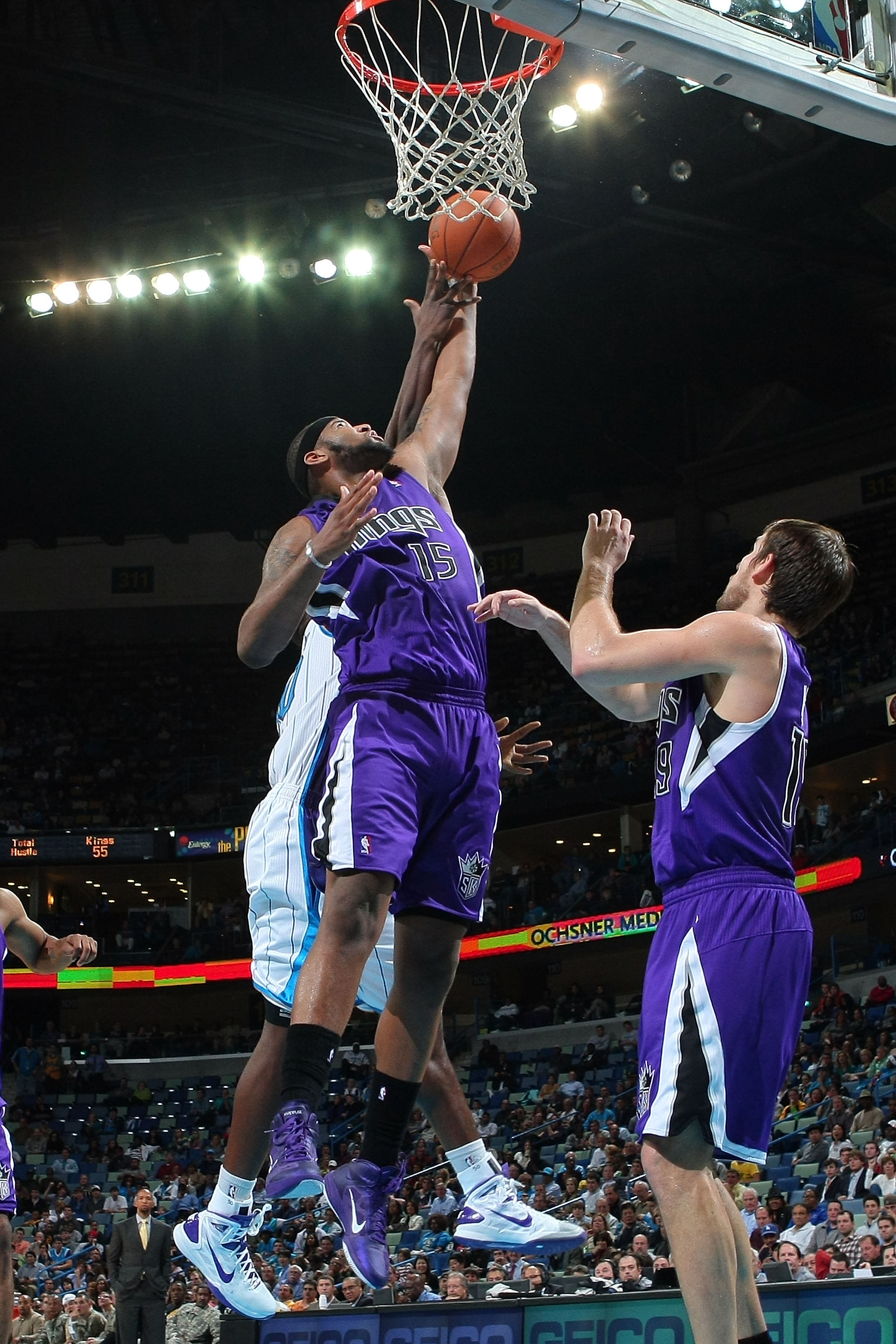 DeMarcus Cousins hitting the glass against the Hornets.