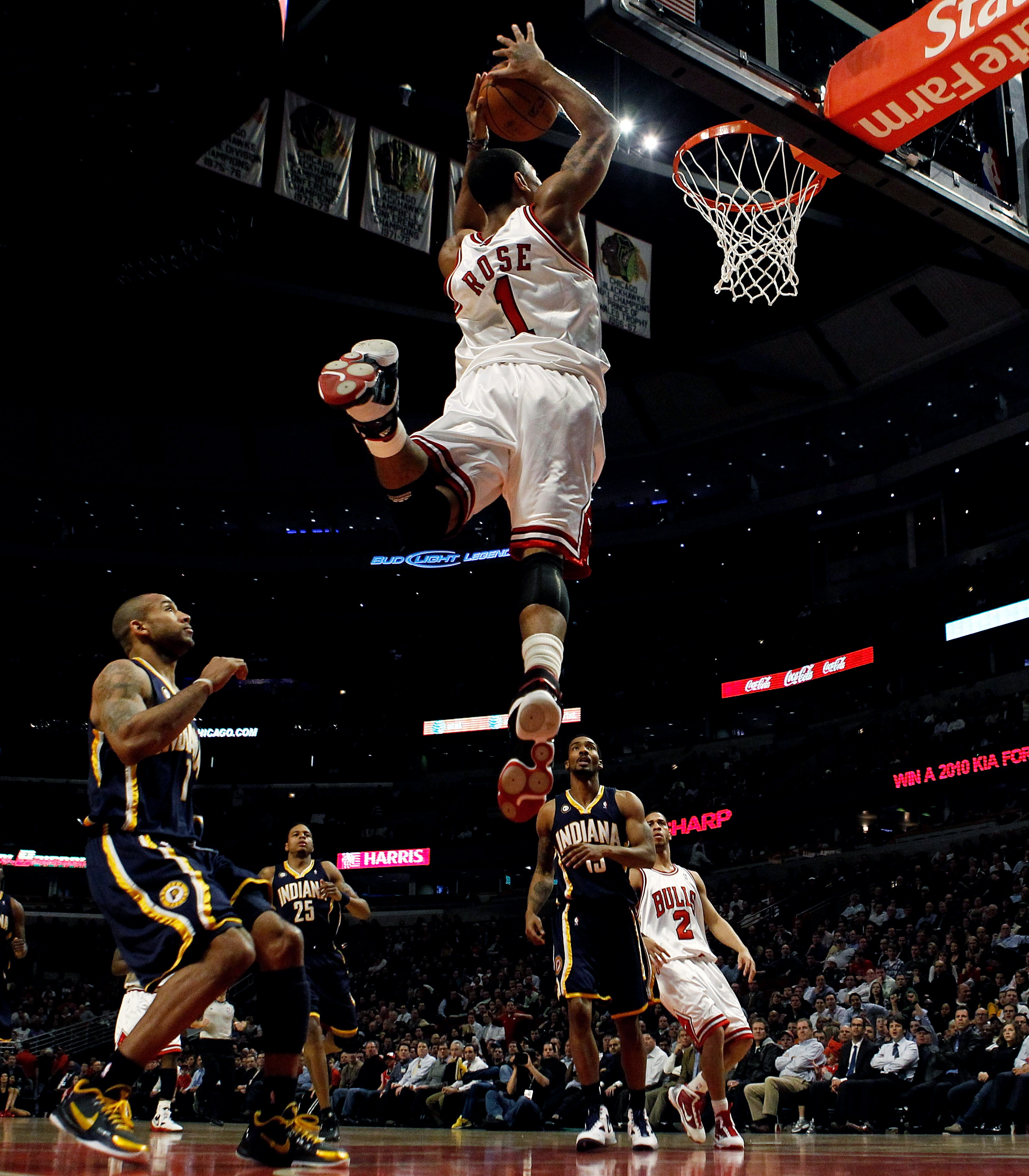 Derrick Rose pummeling the rim against the Indiana Pacers.