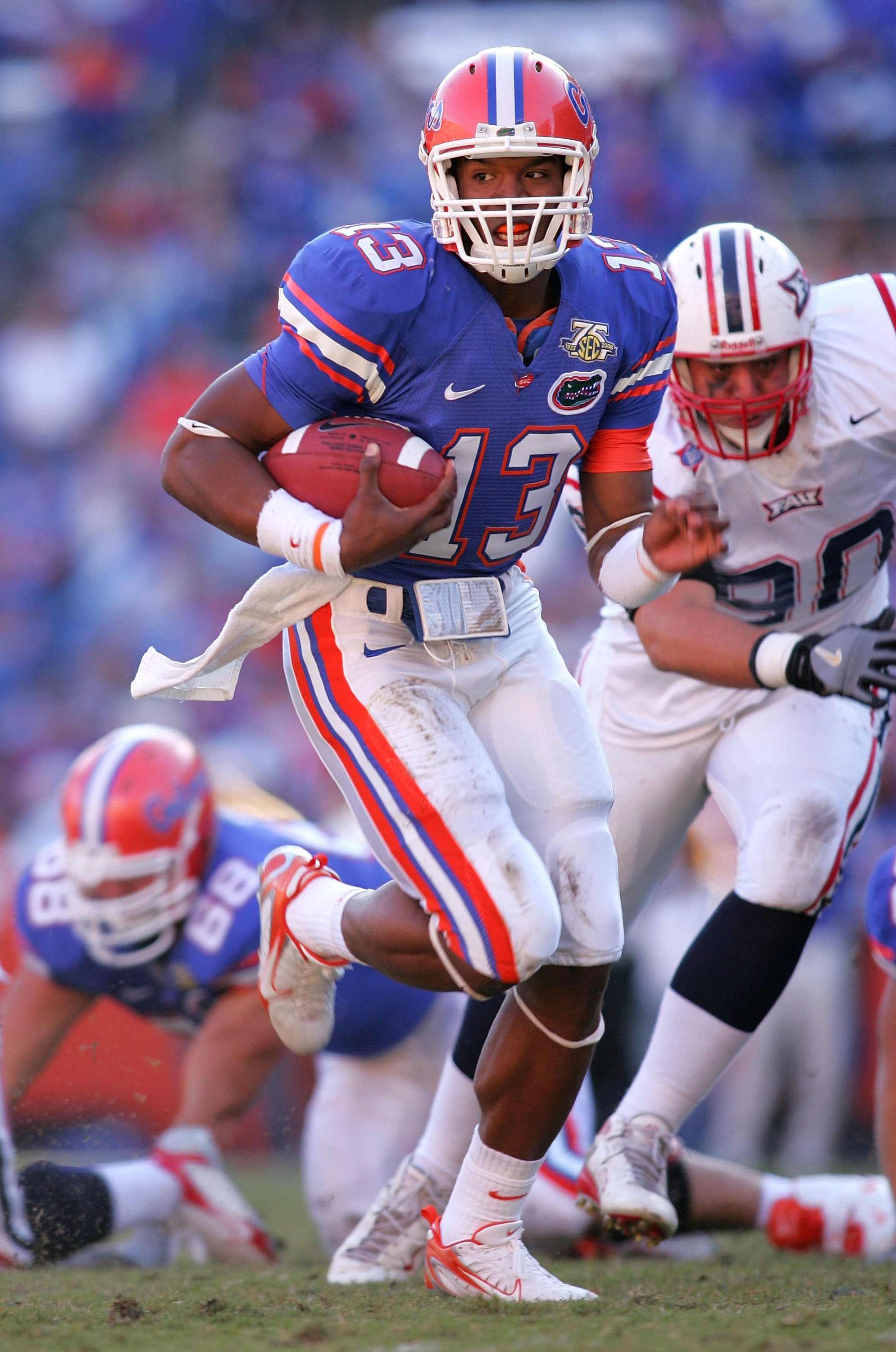GAINESVILLE, FL - NOVEMBER 17:  Cameron Newton of the Florida Gators breaks a tackle during a  game against the FAU Owls at Ben Hill Griffin Stadium on November 17, 2007 in Gainesville, Florida.  (Photo by Sam Greenwood/Getty Images)