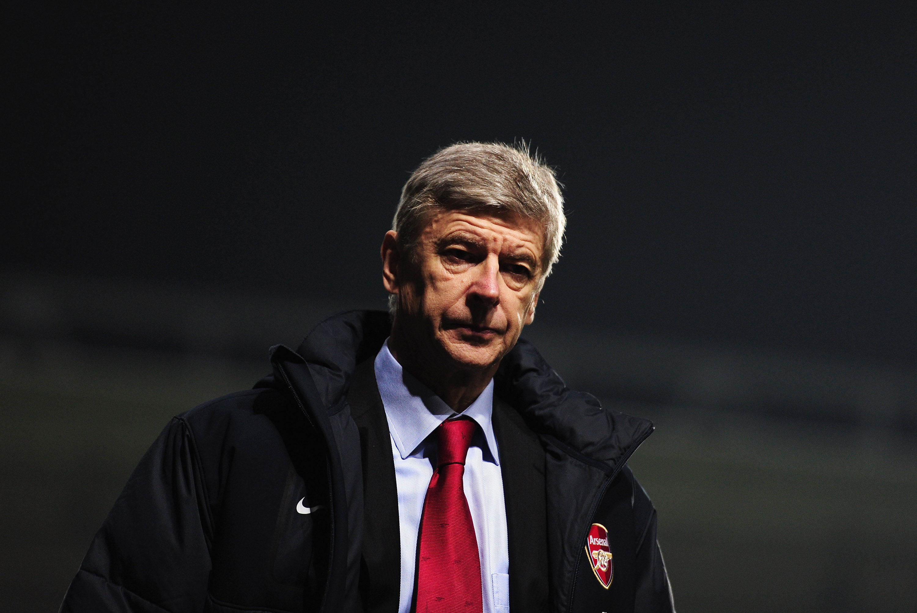 IPSWICH, ENGLAND - JANUARY 12:  Arsene Wenger, Manager of Arsenal walks off at half time during the Carling Cup Semi Final First Leg match between Ipswich Town and Arsenal at Portman Road on January 12, 2011 in Ipswich, England.  (Photo by Jamie McDonald/