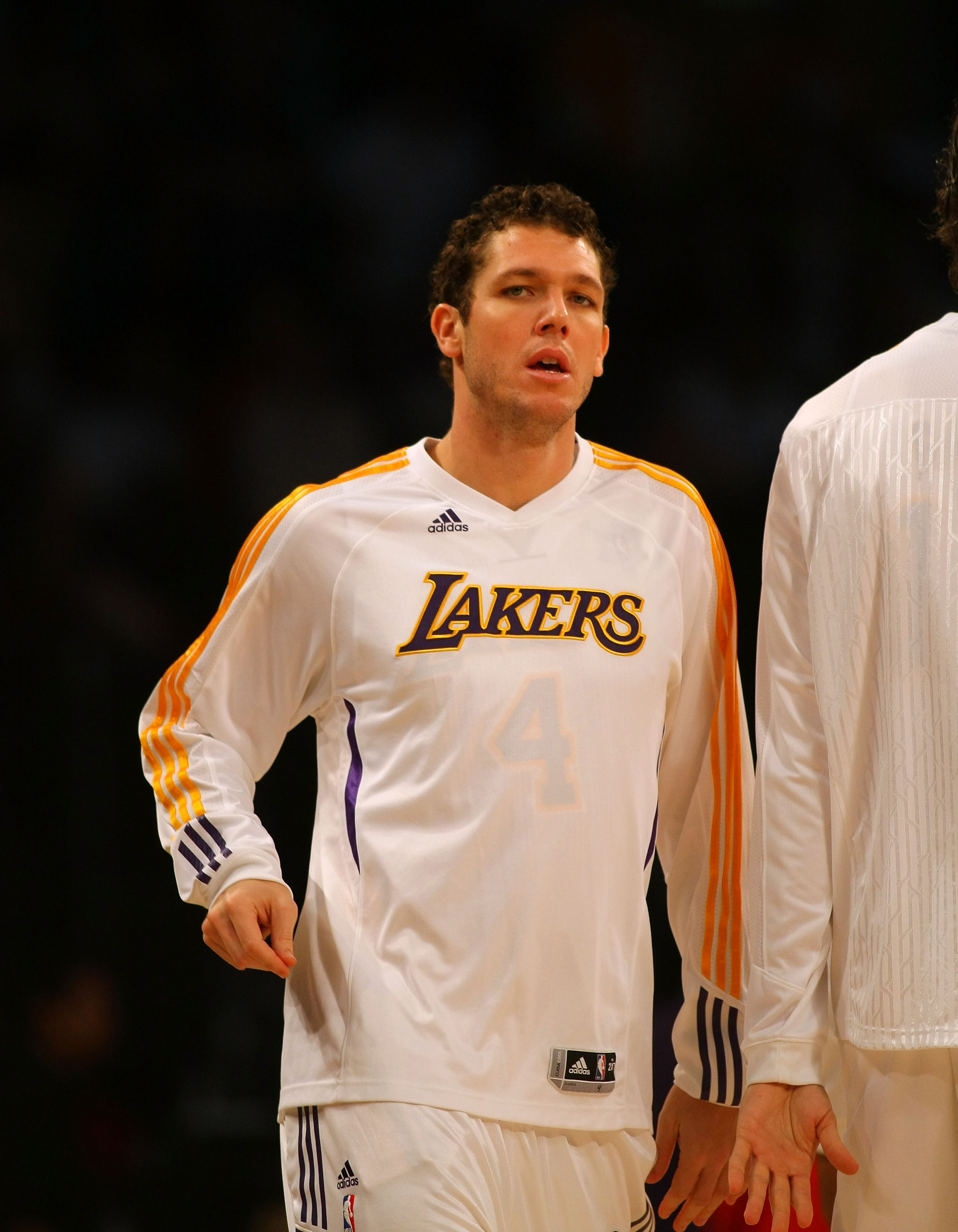 LOS ANGELES, CA - DECEMBER 25:  Luke Walton #4 of the Los Angeles Lakers warms up prior to their NBA game against the Miami Heat at Staples Center on December 25, 2010 in Los Angeles, California. The Heat defeated the Lakers 96-80. NOTE TO USER: User expr