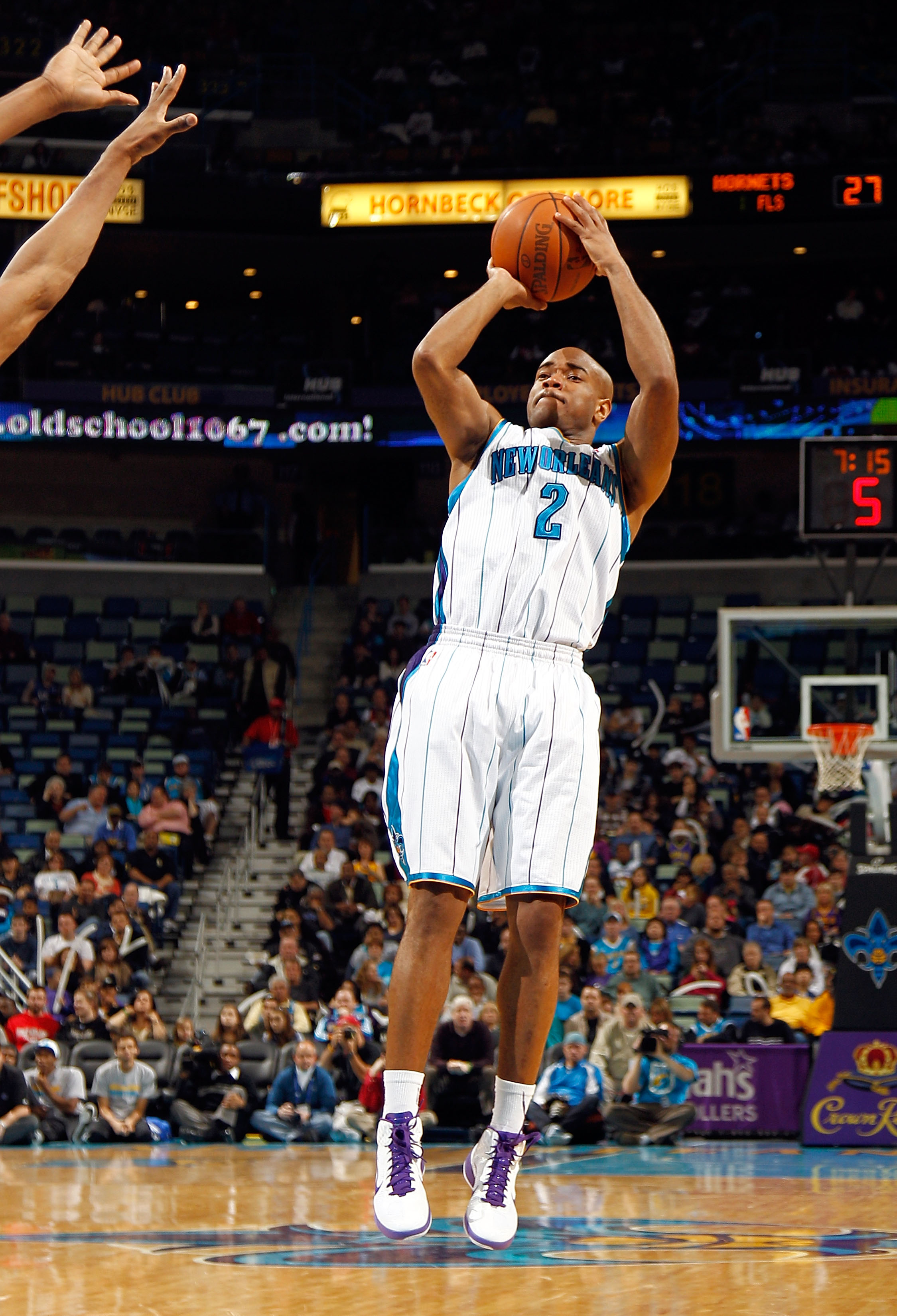 NEW ORLEANS, LA - JANUARY 03:  Jarrett Jack #2 of the New Orleans Hornets shoots a jumper against the Philadelphia 76ers at New Orleans Arena on January 3, 2011 in New Orleans, Louisiana. NOTE TO USER: User expressly acknowledges and agrees that, by downl