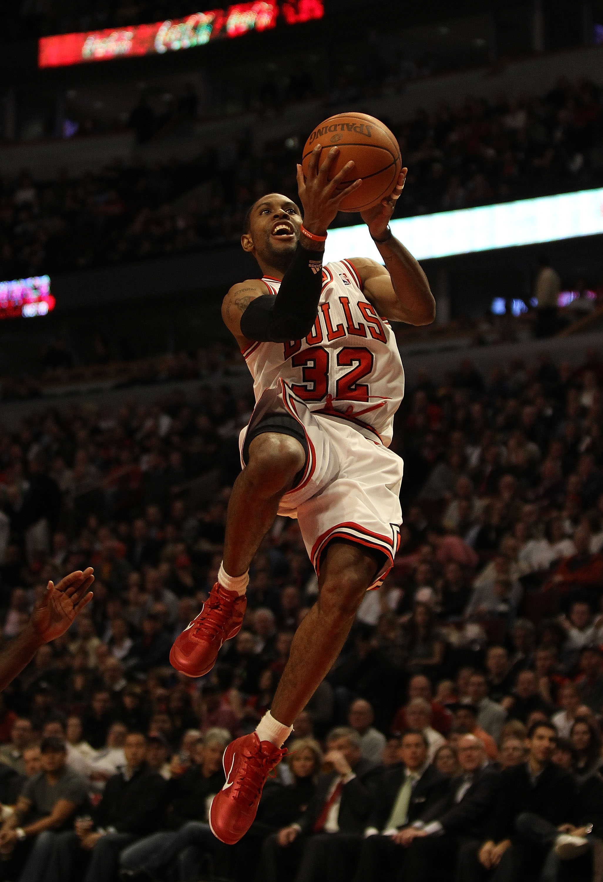CHICAGO, IL - DECEMBER 01: C.J. Watson #32 of the Chicago Bulls drives to the basket against the Orlando Magic at the United Center on December 1, 2010 in Chicago, Illinois. The Magic defeated the Bulls 107-78. NOTE TO USER: User expressly acknowledges an