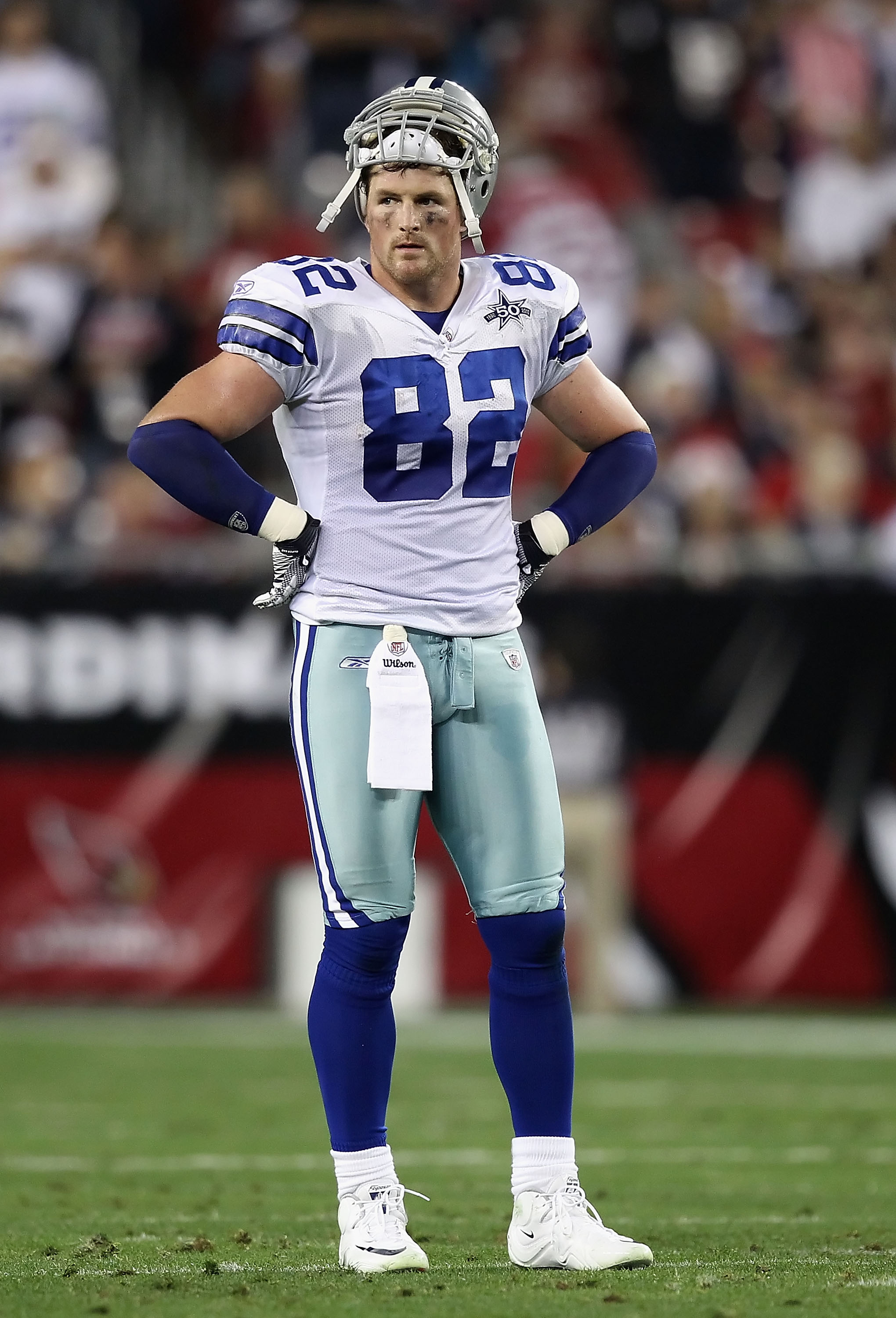 GLENDALE, AZ - DECEMBER 25:  Tight end Jason Witten #82 of the Dallas Cowboys stands on the field during the NFL game against the Arizona Cardinals at the University of Phoenix Stadium on December 25, 2010 in Glendale, Arizona. The Cardinals defeated the