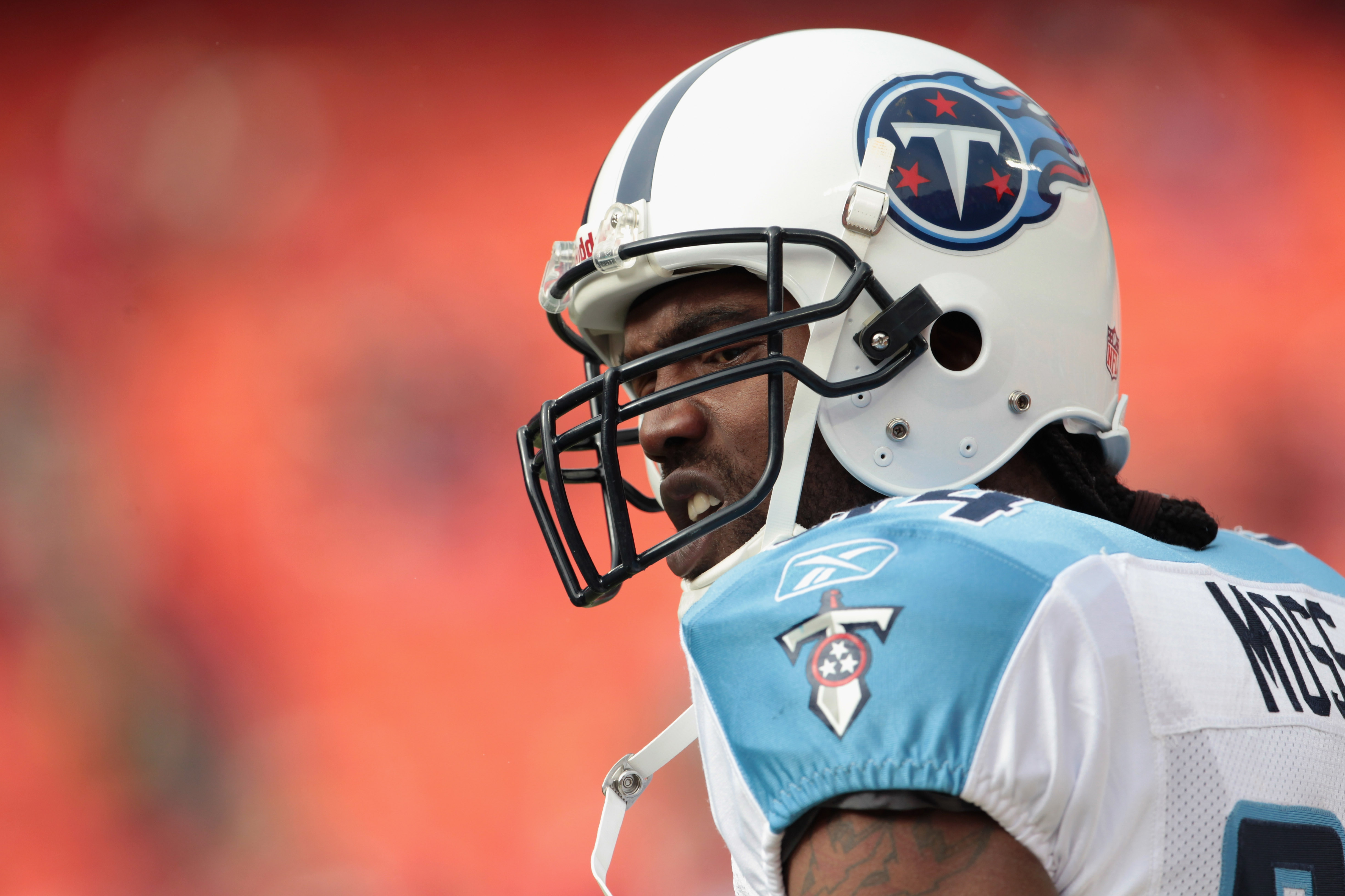 KANSAS CITY, MO - DECEMBER 26:  Receiver Randy Moss #84 of the Tennessee Titans warms up prior to the start of the game against the Kansas City Chiefs on December 26, 2010 at Arrowhead Stadium in Kansas City, Missouri.  (Photo by Jamie Squire/Getty Images