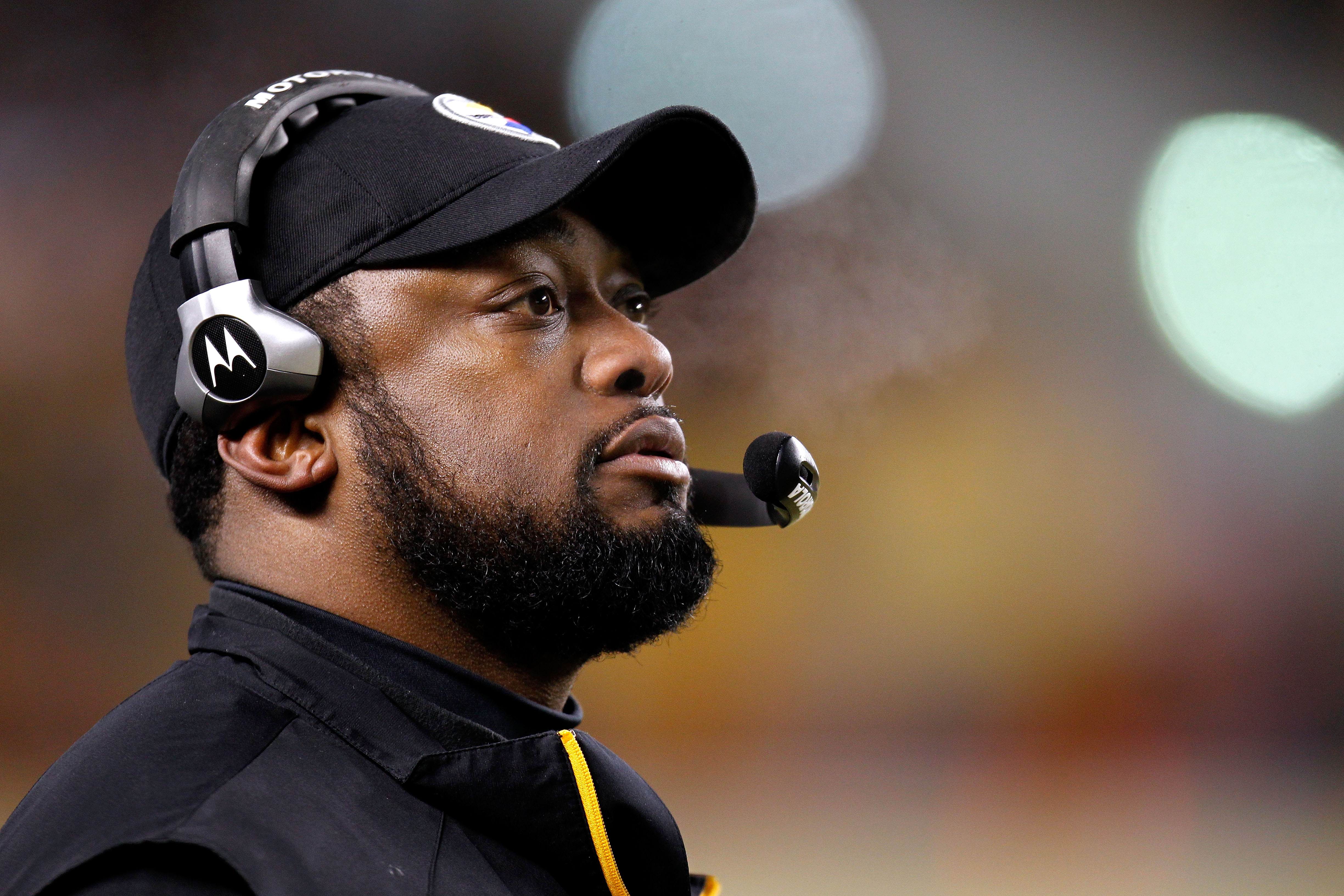 PITTSBURGH, PA - JANUARY 23:  Head coach Mike Tomlin of the Pittsburgh Steelers looks on against the New York Jets during the 2011 AFC Championship game at Heinz Field on January 23, 2011 in Pittsburgh, Pennsylvania.  (Photo by Gregory Shamus/Getty Images