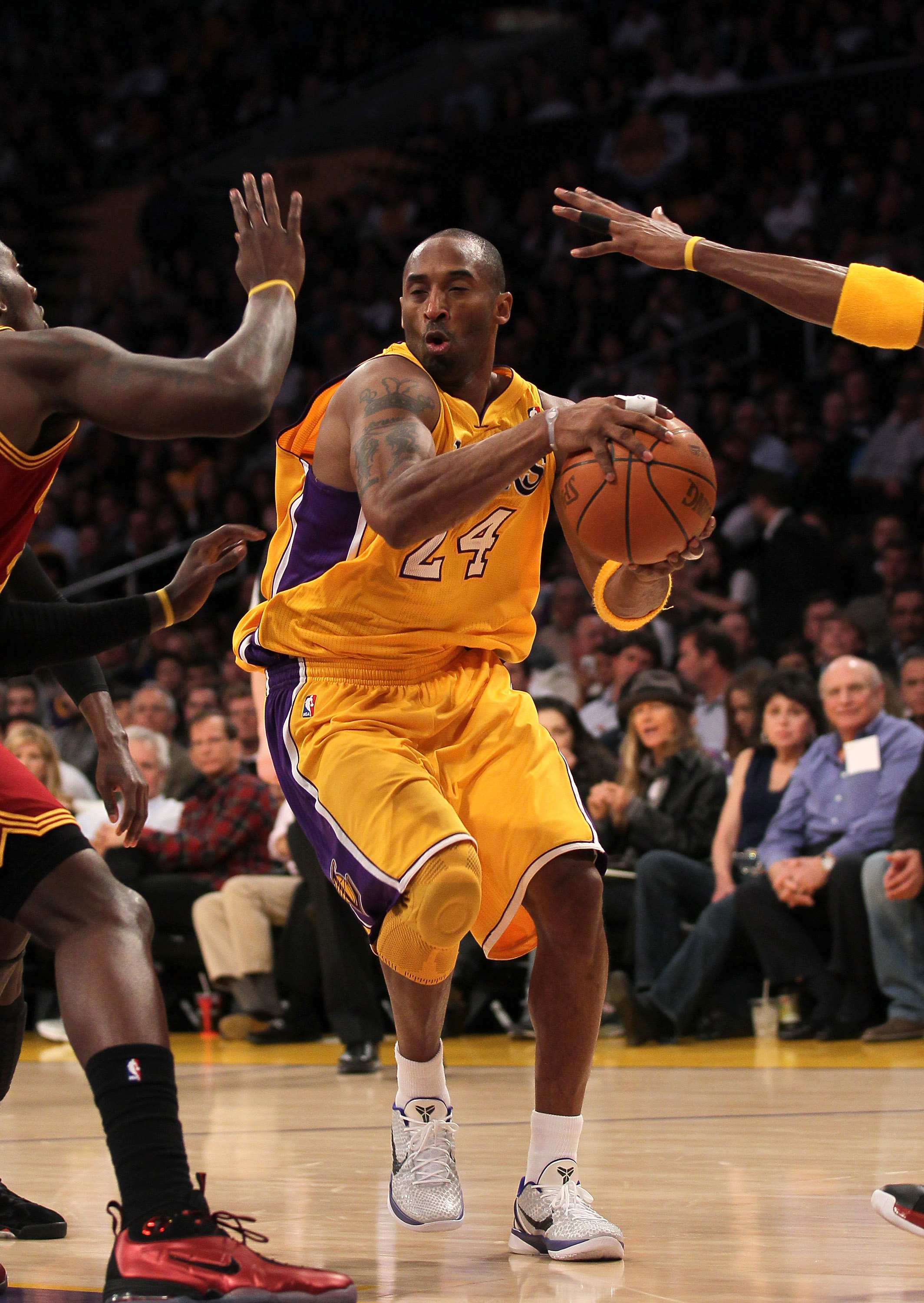 LOS ANGELES, CA - JANUARY 11:  Kobe Bryant #24 of the Los Angeles Lakers drives against the Cleveland Cavaliers at Staples Center on January 11, 2011 in Los Angeles, California.  The Lakers won 112-57.  NOTE TO USER: User expressly acknowledges and agrees