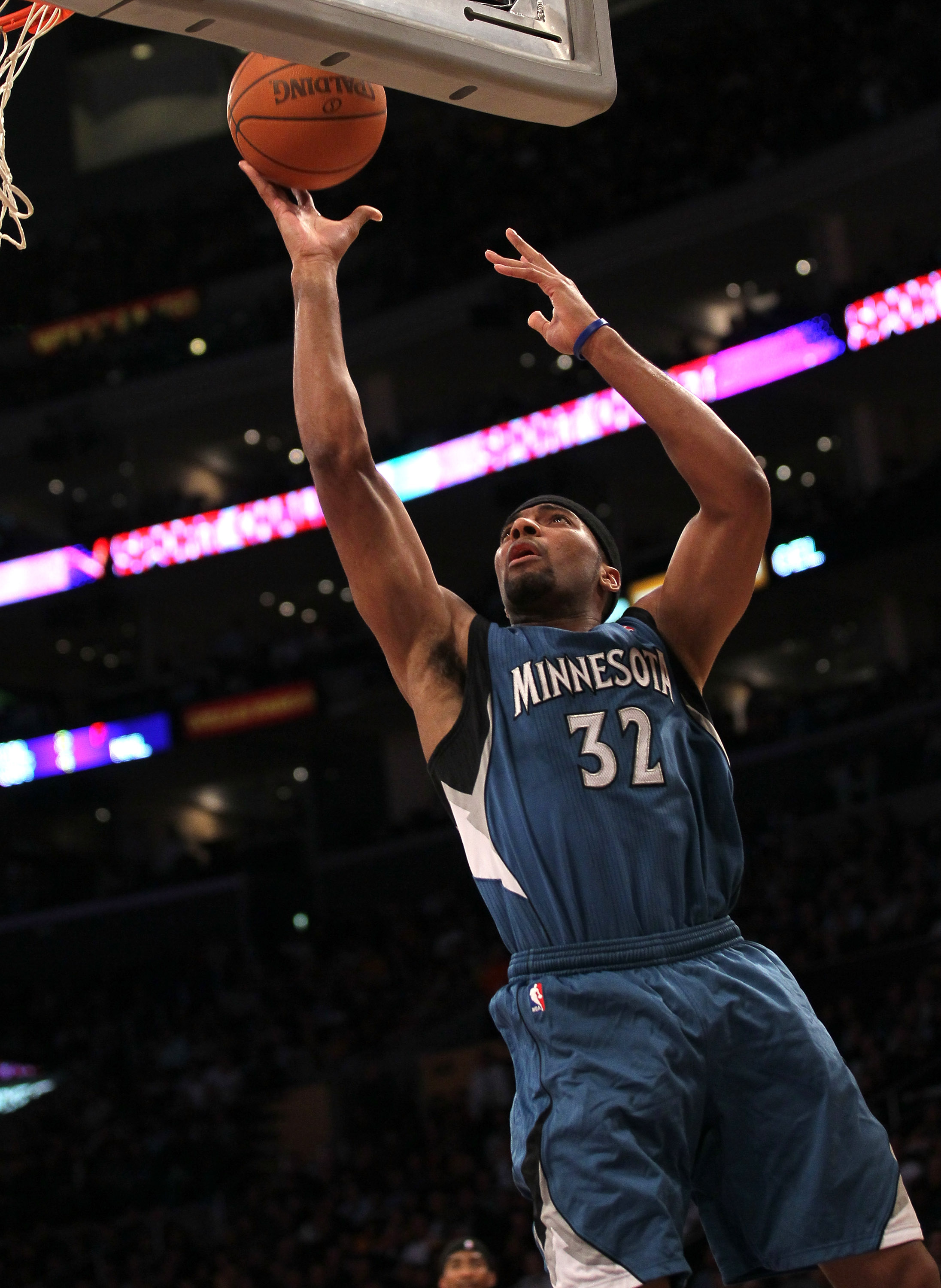 LOS ANGELES - NOVEMBER 9:  Lazar Hayward #32 of the Minnesota Timberwolves shoots against the Los Angeles Lakers at Staples Center on November 9, 2010 in Los Angeles, California. The Lakers won 99-94.   NOTE TO USER: User expressly acknowledges and agrees