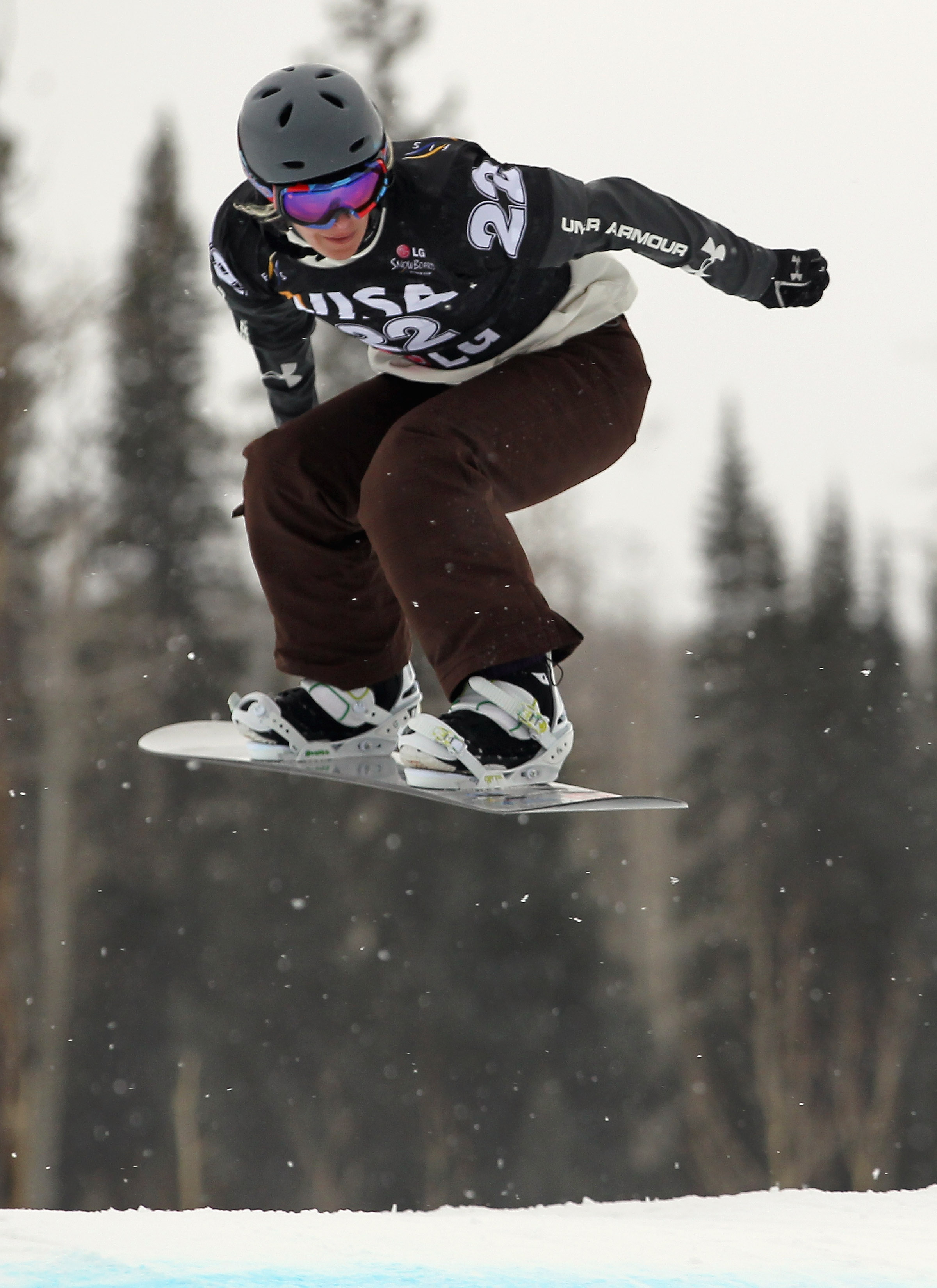 TELLURIDE, CO - DECEMBER 15:  Lindsey Jacobellis of the USA descends the course as she finished fifth during Women's Snowboard Cross Qualification at the LG Snowboard FIS World Cup on December 15, 2010 in Telluride, Colorado.  (Photo by Doug Pensinger/Get
