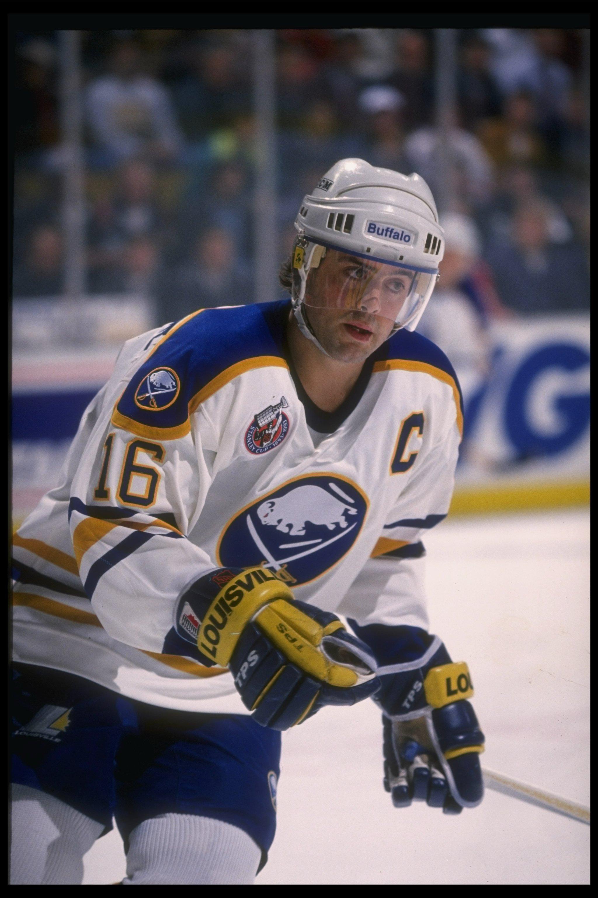 1992-1993:  Center Pat LaFontaine of the Buffalo Sabres. Mandatory Credit: Rick Stewart  /Allsport