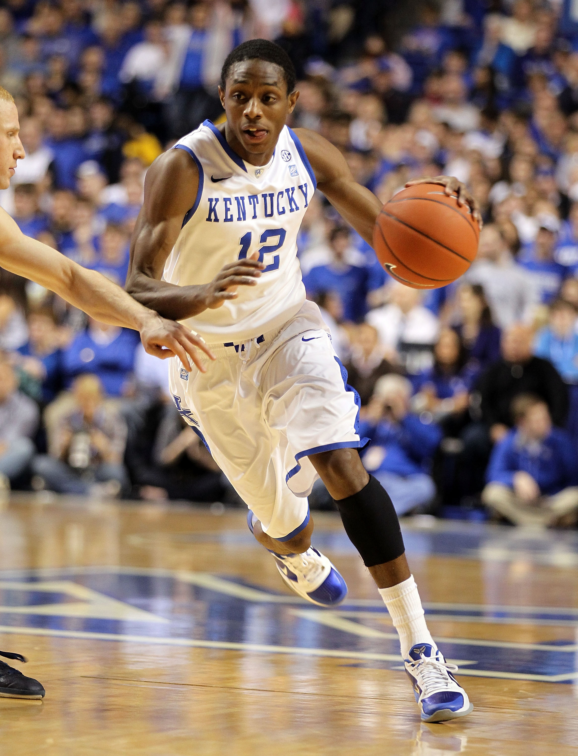 LEXINGTON, KY - JANUARY 03:  Brandon Knight #12 of the Kentucky Wildcats dribbles the ball during the game against the Penn Quakers at Rupp Arena on January 3, 2011 in Lexington, Kentucky.  Kentucky won 86-62.  (Photo by Andy Lyons/Getty Images)