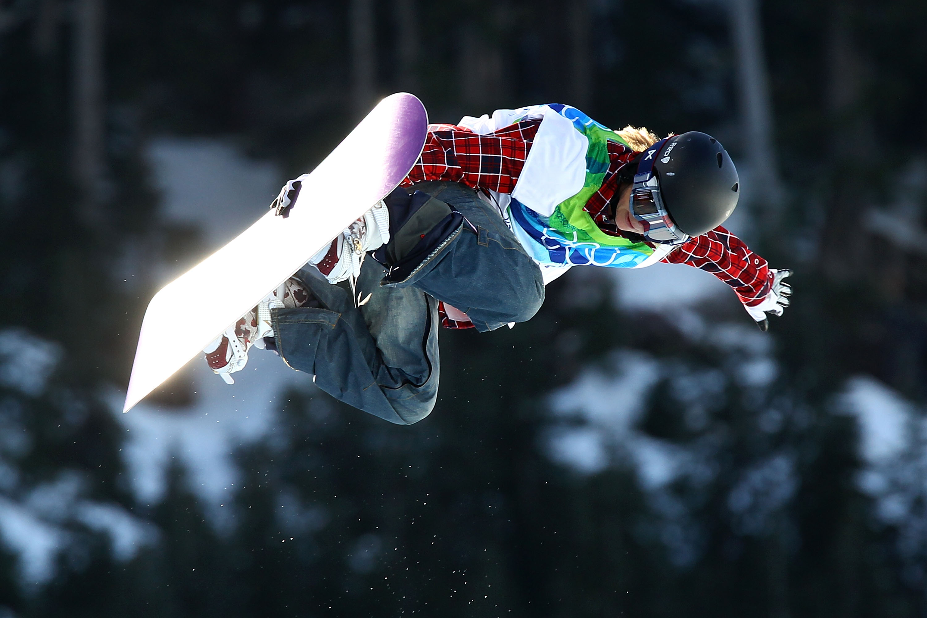VANCOUVER, BC - FEBRUARY 18:  Hannah Teter of The United States competes in the Snowboard Women's Halfpipe on day seven of the Vancouver 2010 Winter Olympics at Cypress Snowboard & Ski-Cross Stadium on February 18, 2010 in Vancouver, Canada.  (Photo by Al
