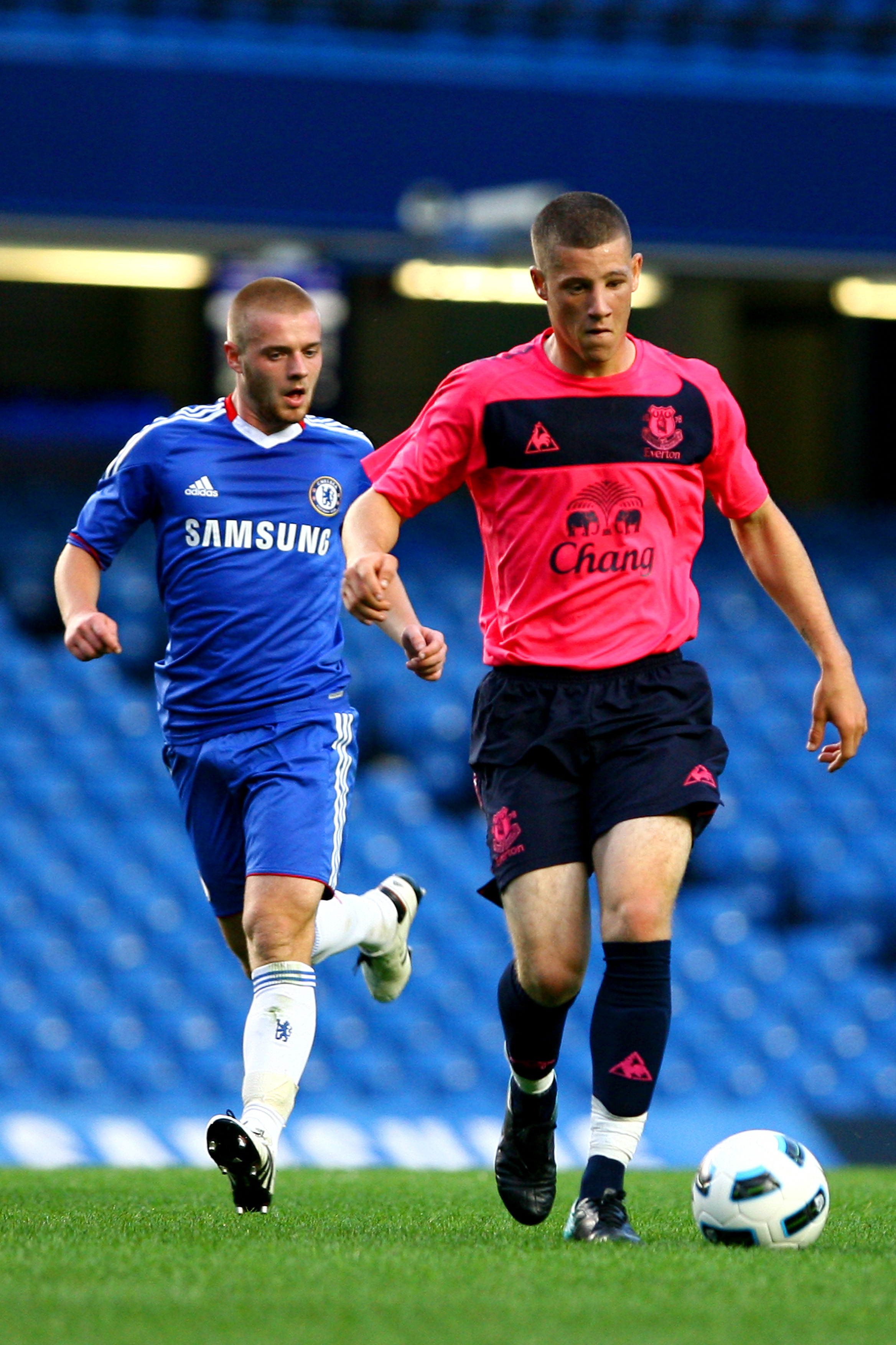LONDON, ENGLAND - AUGUST 23:  Ross Barkley (R) of Everton Reserves battles for the ball with Connor Clifford of Chelsea Reserves during the Barclays Premier Reserve League match between Chelsea and Everton at Stamford Bridge on August 23, 2010 in London,