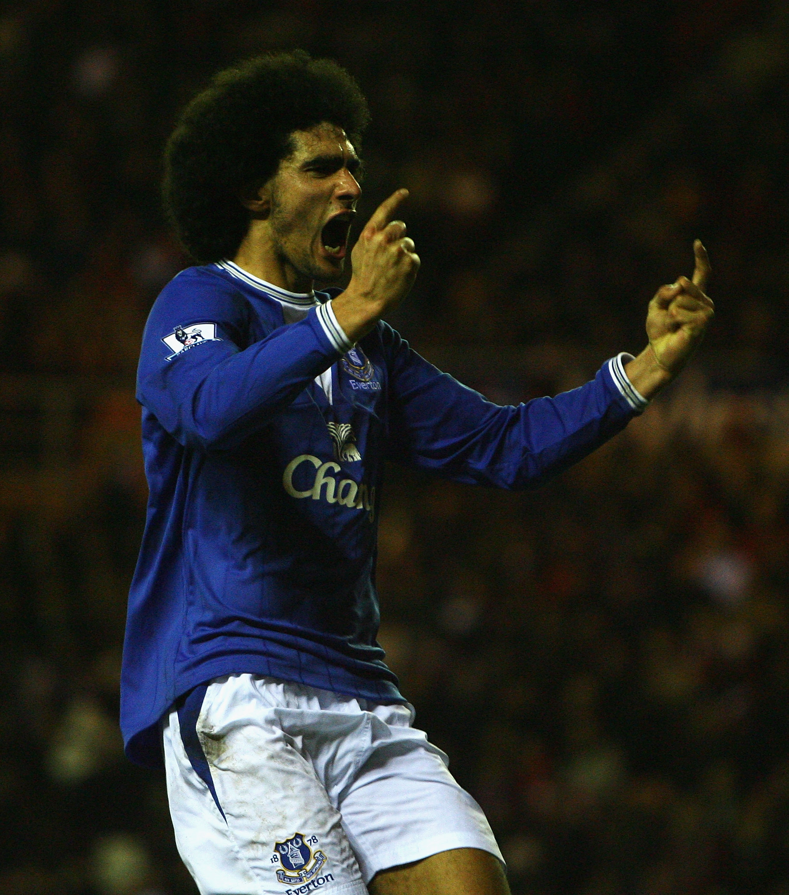 SUNDERLAND, ENGLAND - DECEMBER 26:  Marouane Fellaini of Everton celebrates his goal during the Barclays Premier League match between Sunderland and Everton at the Stadium of Light on December 26, 2009 in Sunderland, England.  (Photo by Matthew Lewis/Gett