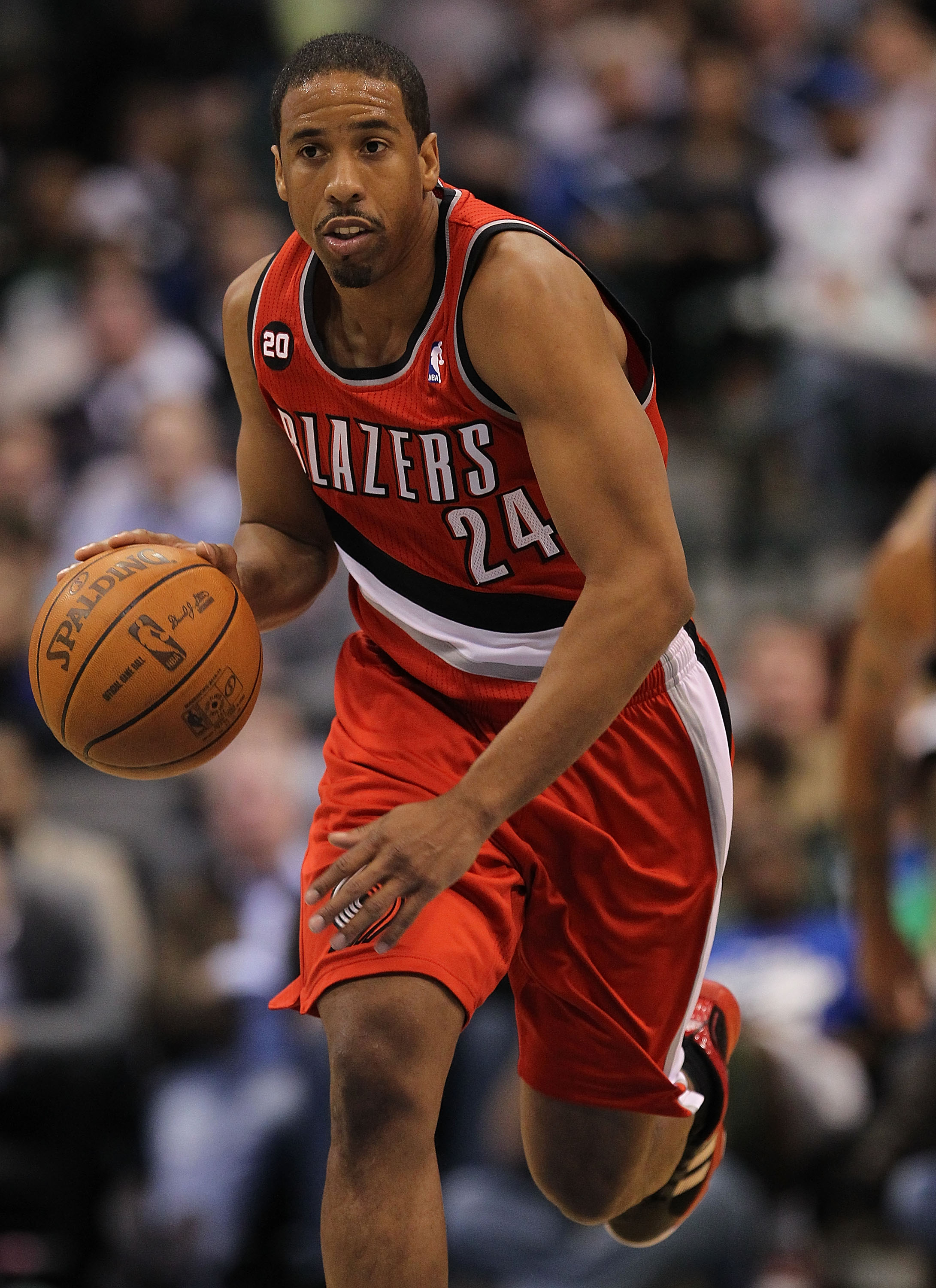 DALLAS, TX - DECEMBER 15:  Guard Andre Miller #24 of the Portland Trail Blazers at American Airlines Center on December 15, 2010 in Dallas, Texas.  NOTE TO USER: User expressly acknowledges and agrees that, by downloading and or using this photograph, Use