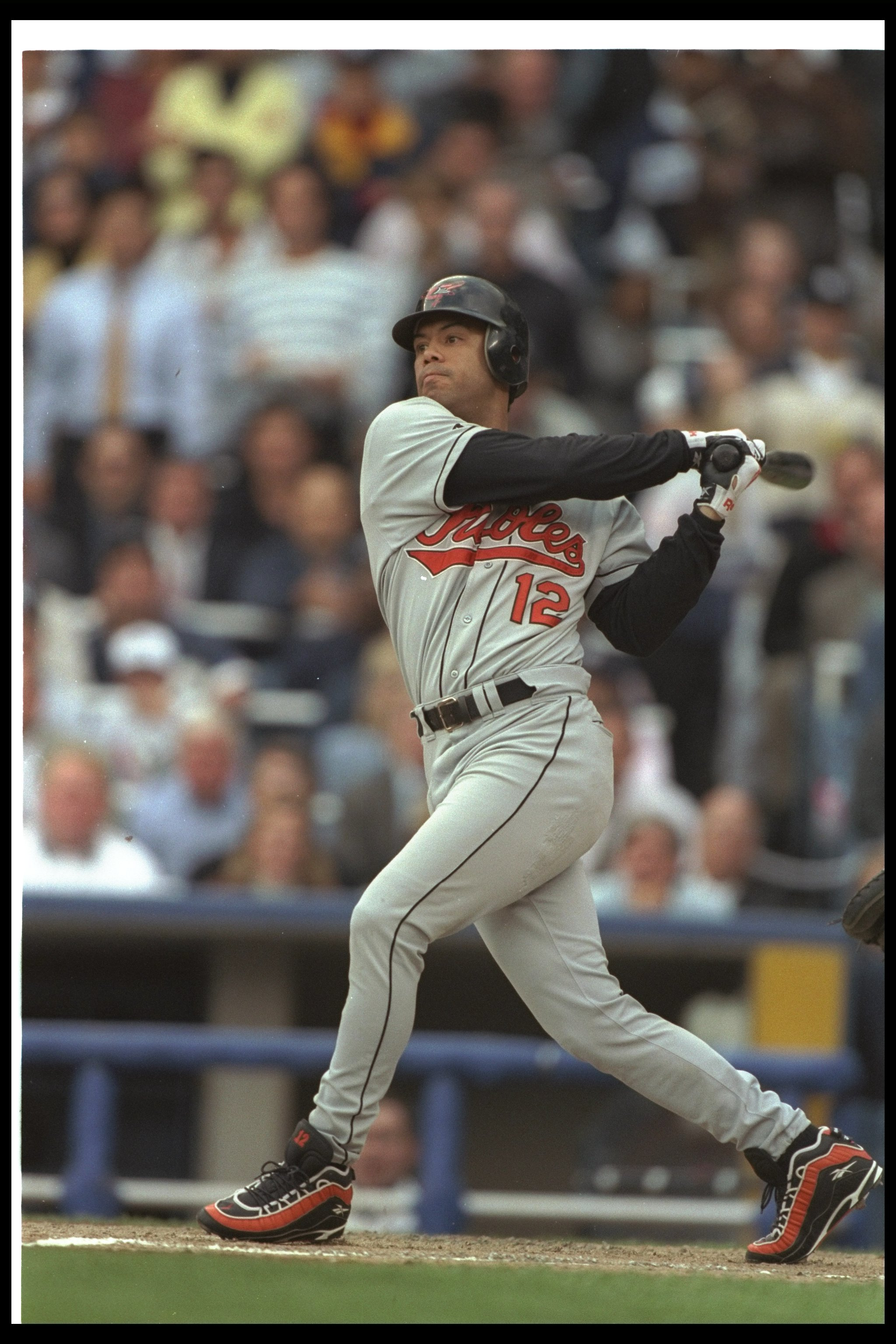 059d16ee46c 10 Oct 1996  Second baseman Roberto Alomar of the Baltimore Orioles hits the  ball during
