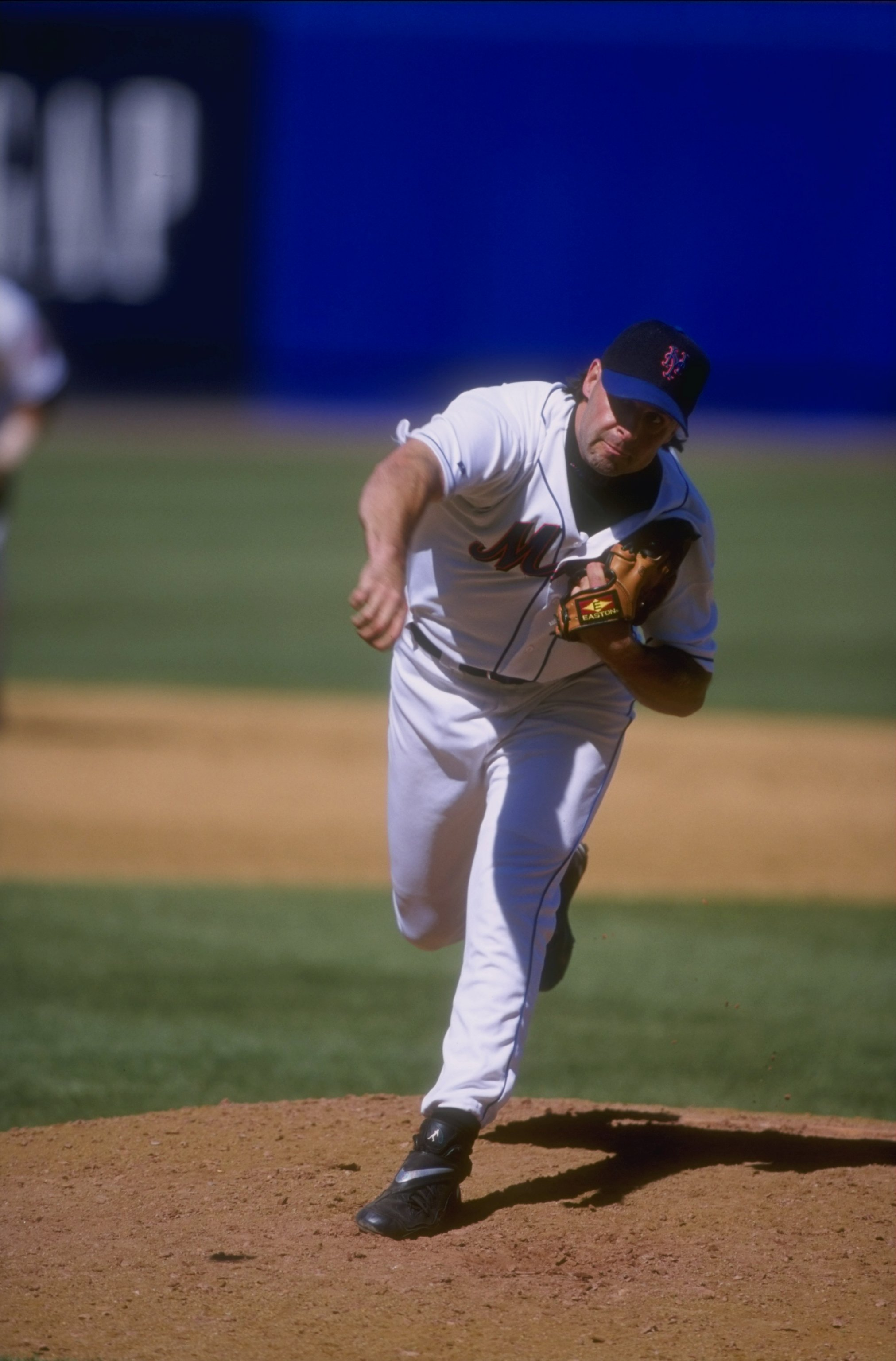 10 Jun 1998: Turk Wendell #99 of the New York Mets in action during a game against the Tampa Bay Devil Rays at Shea Stadium in Flushing, New York. The Mets defeated the Devil Rays 3-2.