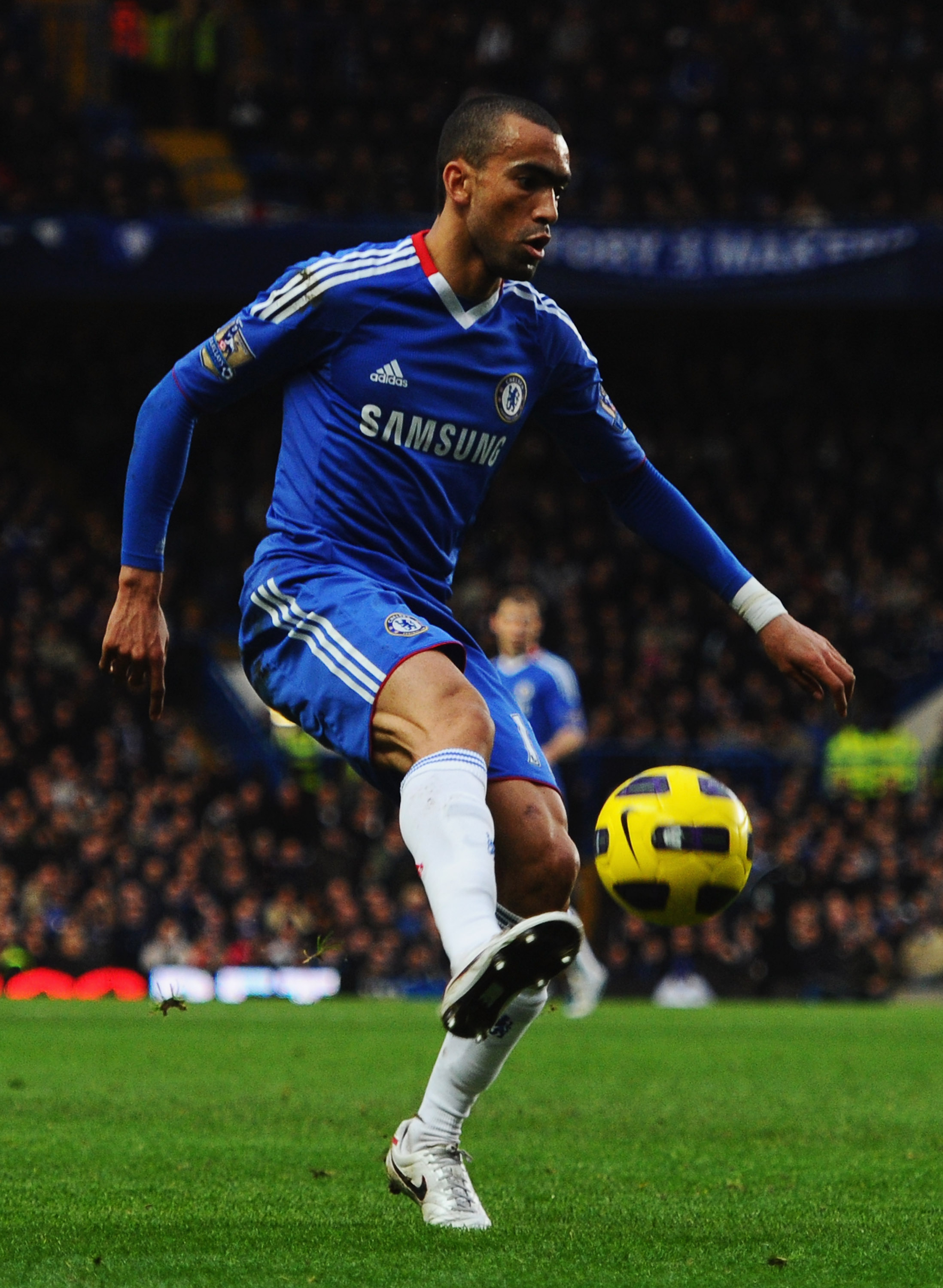 LONDON, ENGLAND - JANUARY 15:  Jose Bosingwa of Chelsea in action during the Barclays Premier League match between Chelsea and Blackburn Rovers at Stamford Bridge on January 15, 2011 in London, England.  (Photo by Mike Hewitt/Getty Images)