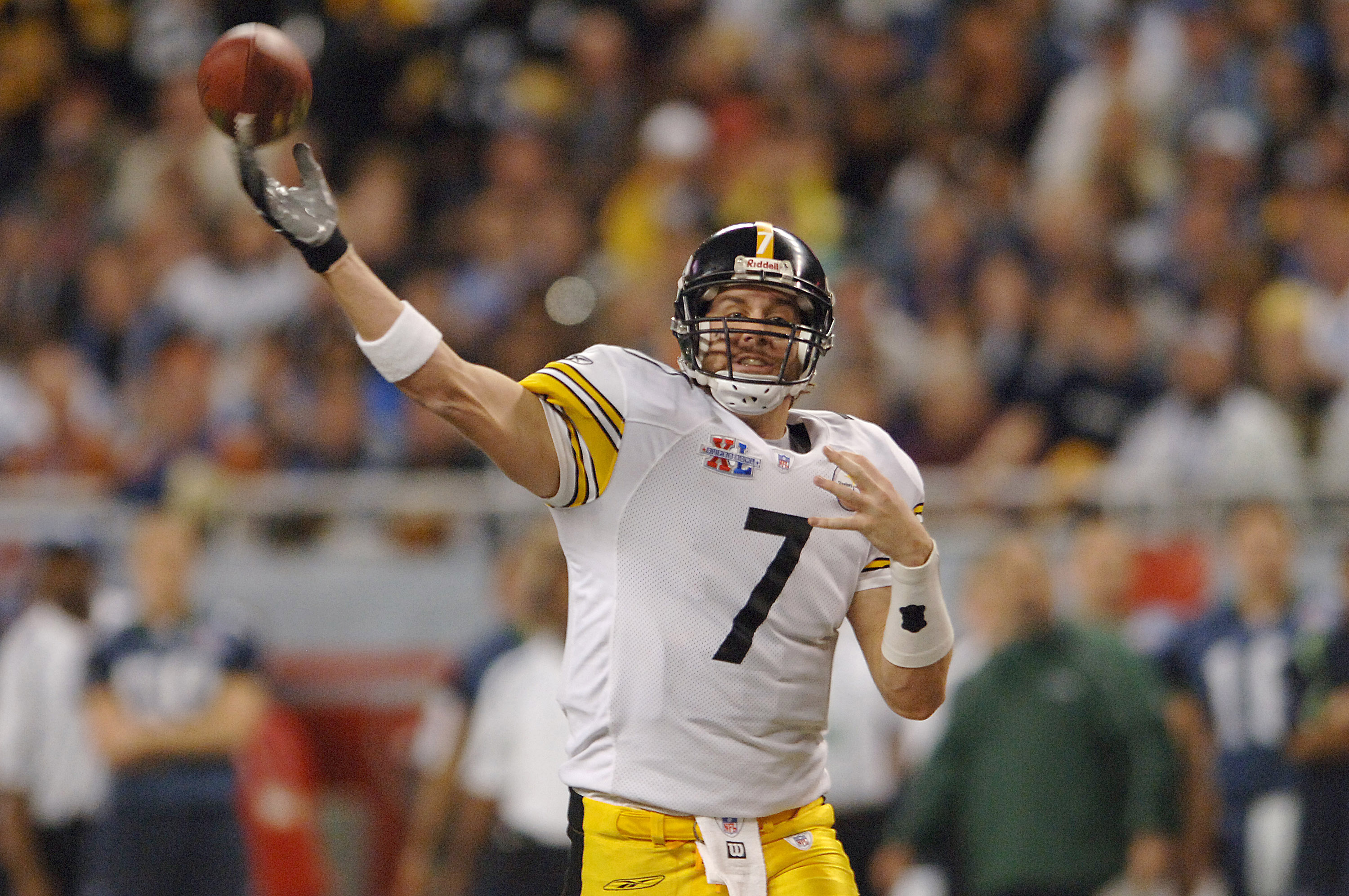 Steelers Ben Roethlisberger during Super Bowl XL between the Pittsburgh Steelers and Seattle Seahawks at Ford Field in Detroit, Michigan on February 5, 2006. (Photo by A. Messerschmidt/Getty Images)