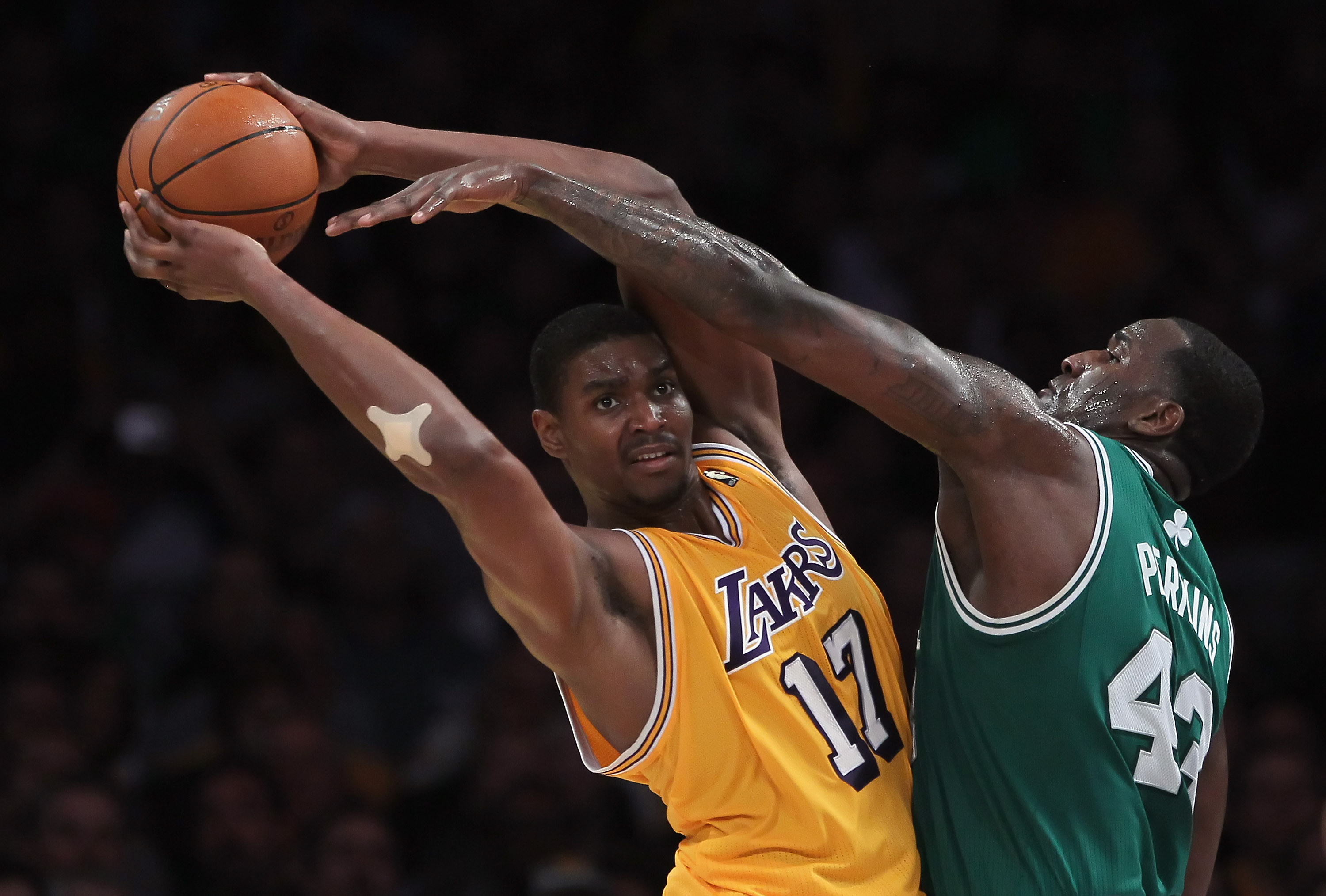 6b1d88b87d5 Los Angeles Lakers: 10 Reasons Andrew Bynum Will Never Be the Team's ...