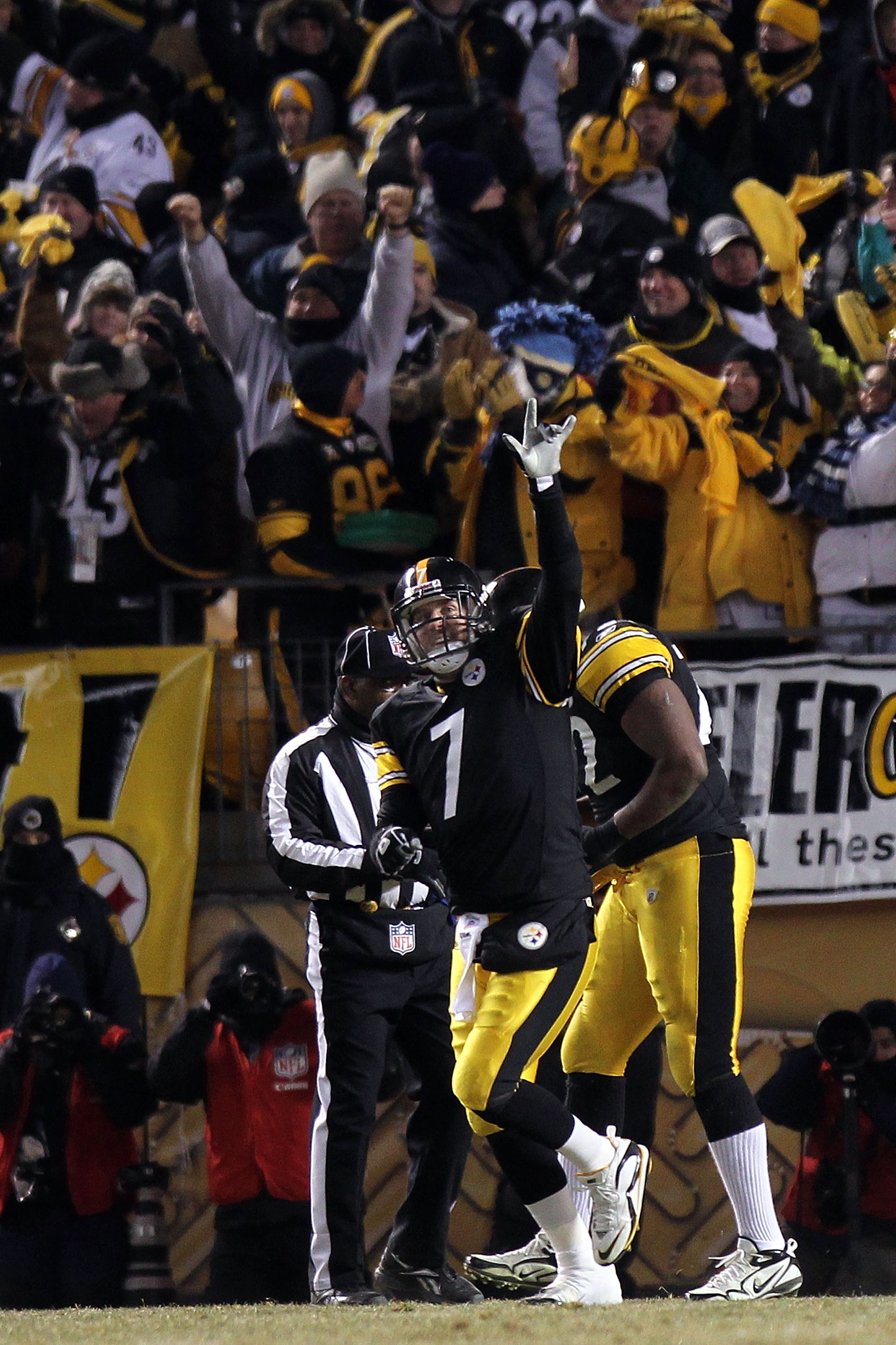 PITTSBURGH, PA - JANUARY 23:  Ben Roethlisberger #7 of the Pittsburgh Steelers celebrates a second quarter touchdown against the New York Jets during the 2011 AFC Championship game at Heinz Field on January 23, 2011 in Pittsburgh, Pennsylvania.  (Photo by