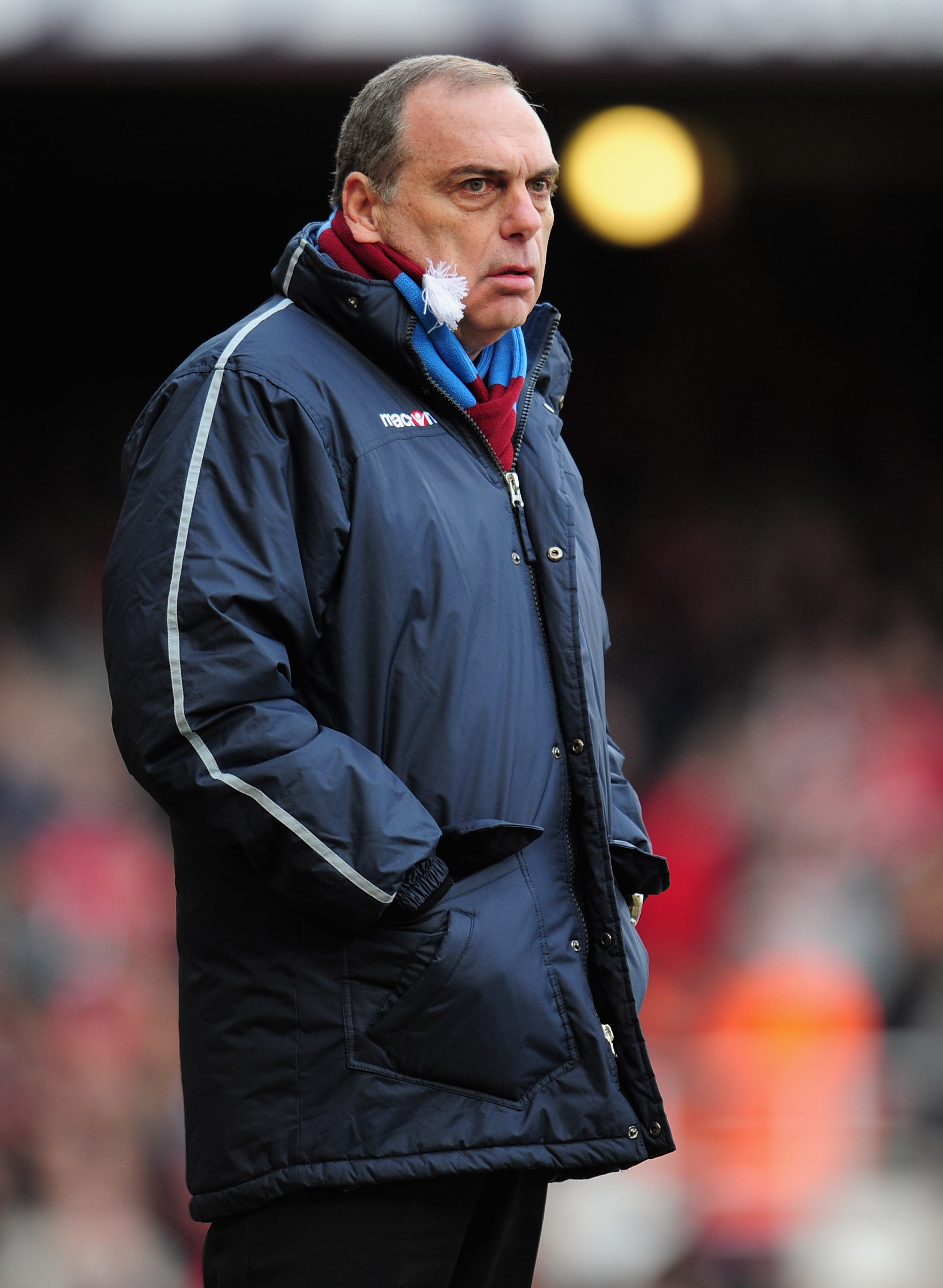 LONDON, ENGLAND - JANUARY 30:  West Ham United manager Avram Grant looks on during the FA Cup sponsored by E.O.N 4th Round match between West Ham United and Nottingham Forest at the Boleyn Ground on January 30, 2011 in London, England.  (Photo by Shaun Bo