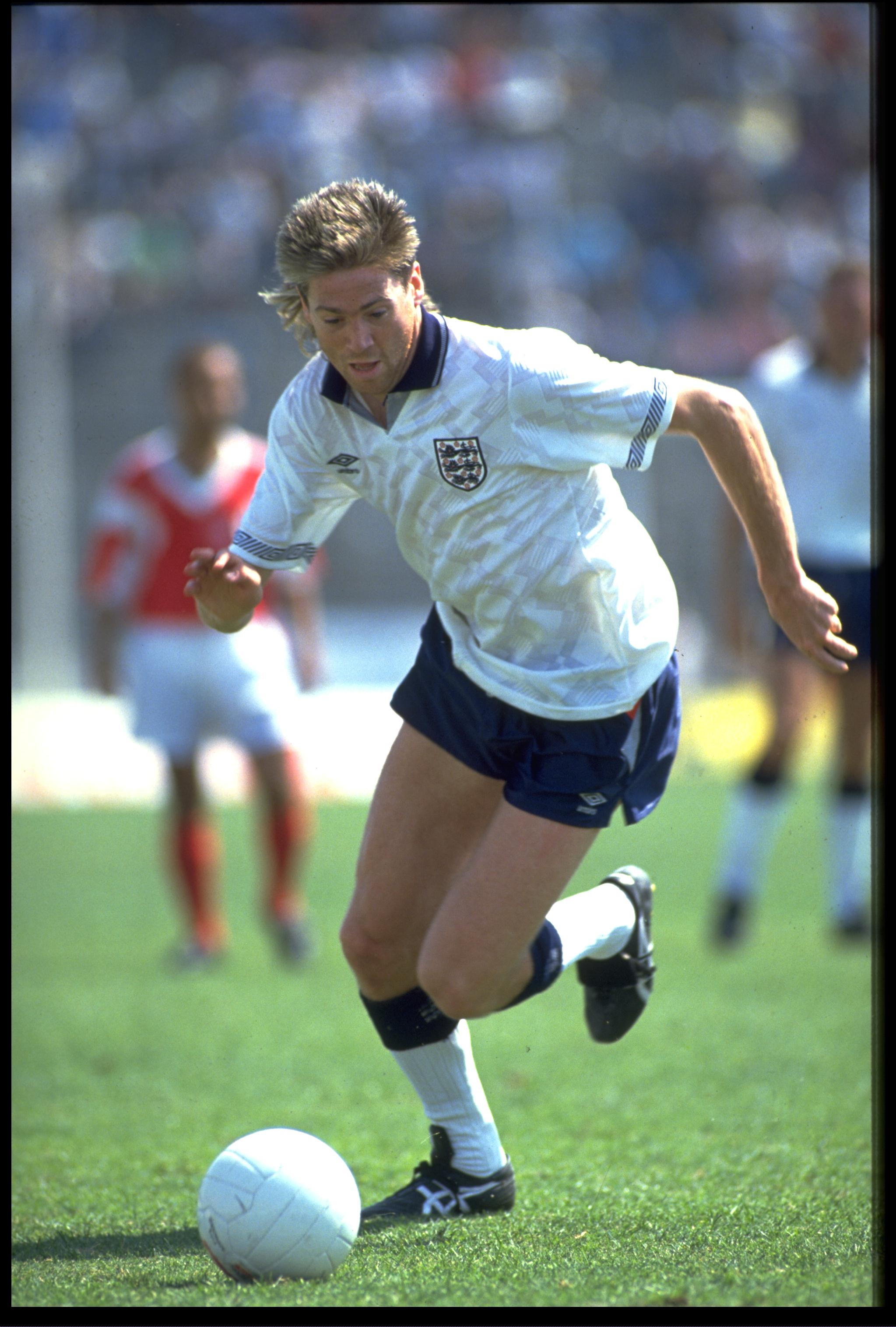 2 JUN 1990:  CHRIS WADDLE OF ENGLAND IN ACTION AGAINST TUNISIA DURING AN INTERNATIONAL FRIENDLY. THE GAME ENDED IN A 1-1 DRAW.