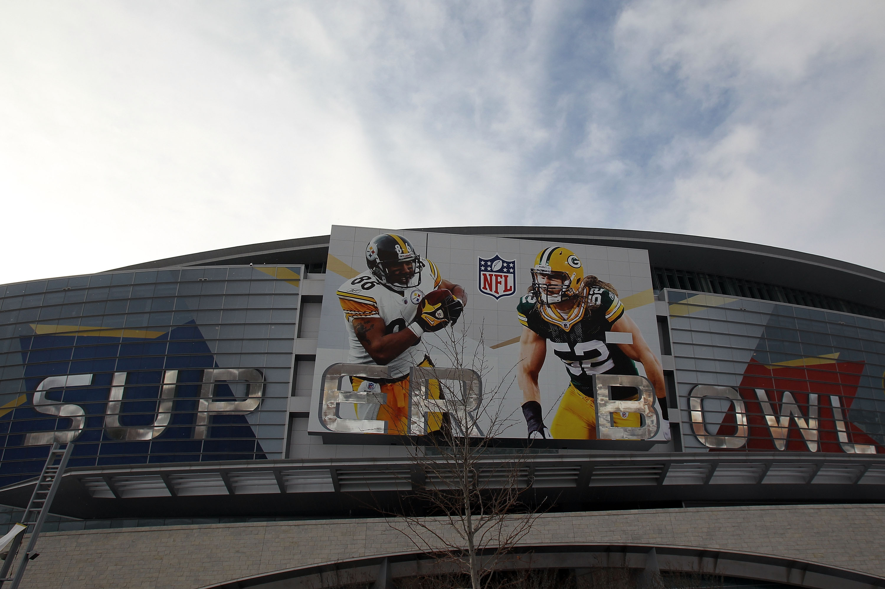 ARLINGTON, TX - FEBRUARY 01:  A view of Cowboys Stadium with outside before Super Bowl XLV Media Day on February 1, 2011 in Arlington, Texas. The Dallas area was hit with winter weather late yesterday evening causing road and school closures in the area.
