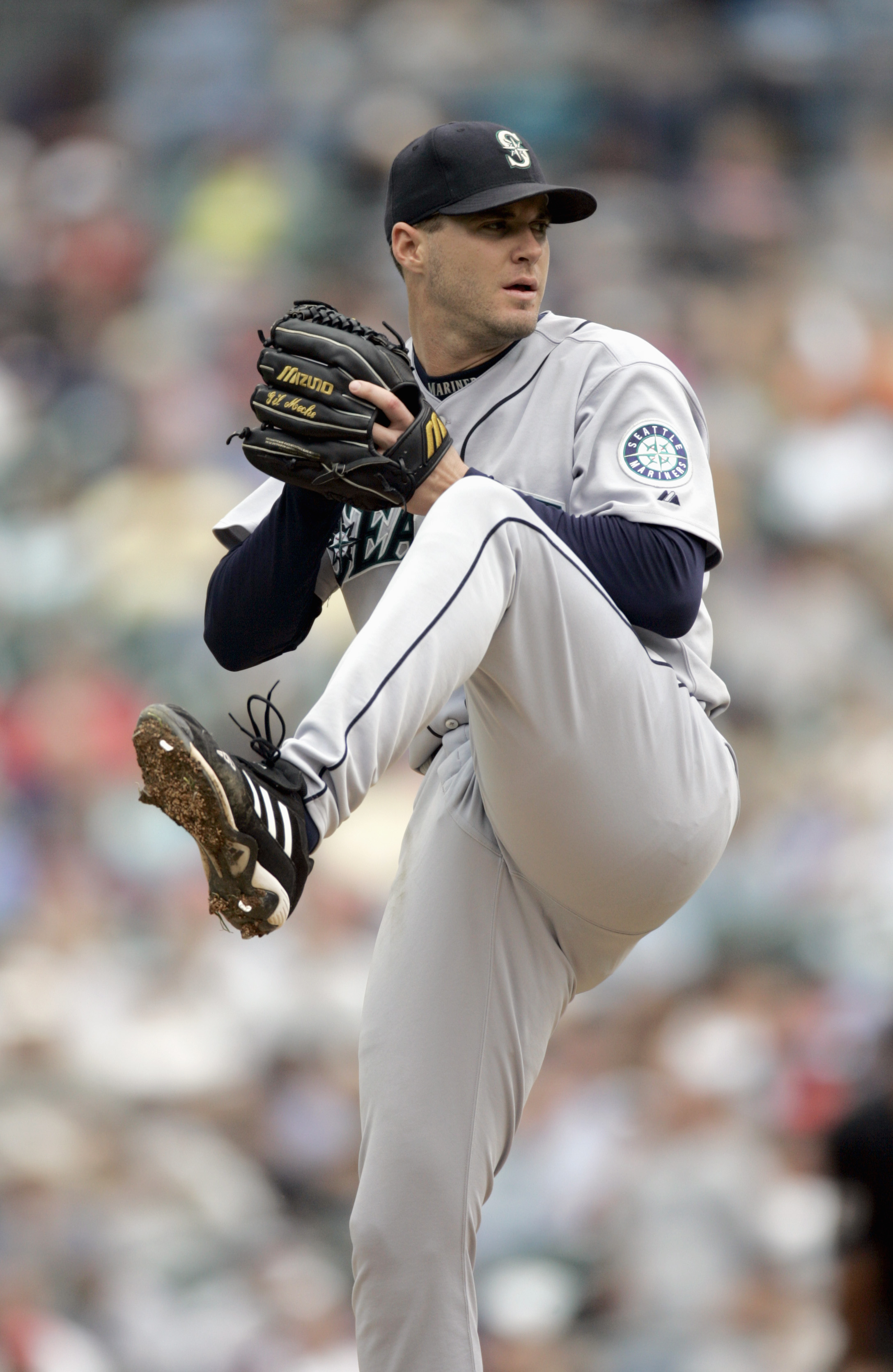 DETROIT - SEPTEMBER 6: Gil Meche #55 of the Seattle Mariners winds back to pitch during the game against the Detroit Tigers on September 6, 2006 at Comerica Park in Detroit, Michigan. (Photo By Gregory Shamus/Getty Images)