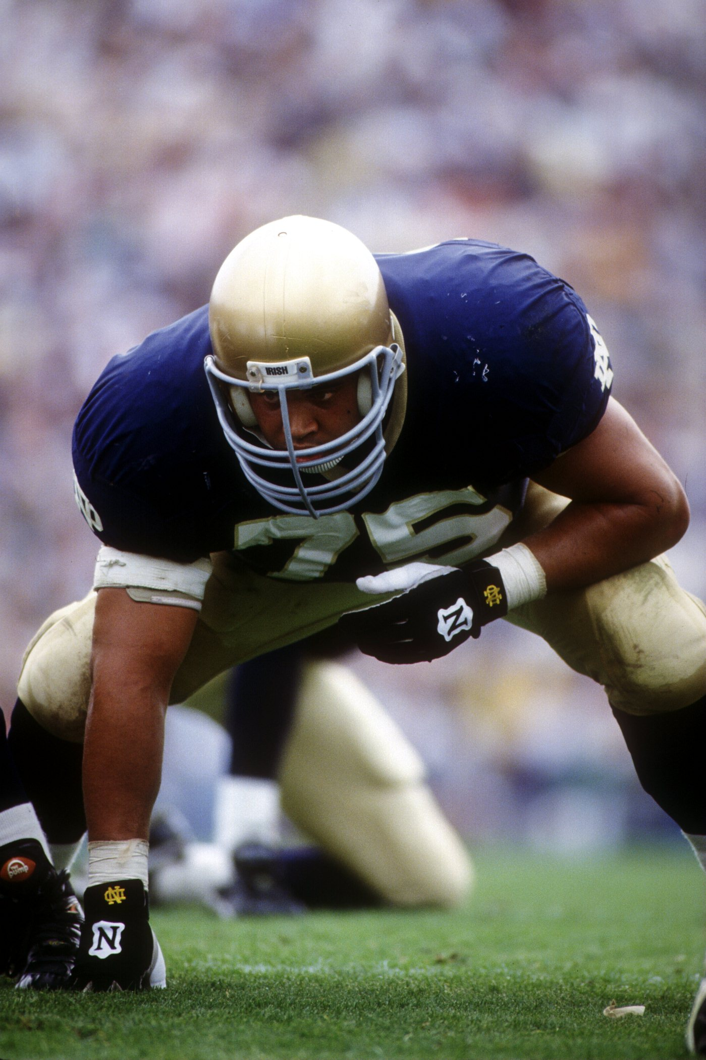 18 Sep 1993: NOTRE DAME DEFENSIVE LINEMAN AARON TAYLOR LINES UP AGAINST MICHIGAN STATE DURING THE FIGHTING IRISH''S 36-14 VICTORY.