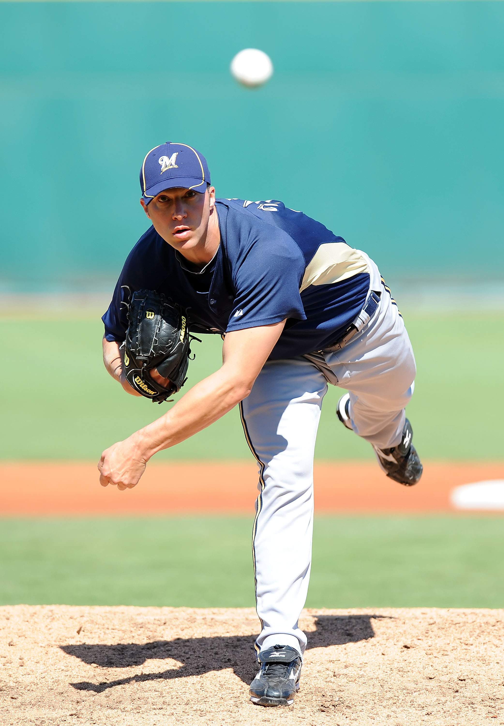 GOODYEAR, AZ - MARCH 11:  Chris Capuano #39 of the Milwaukee Brewers pitches during a Spring Training game against the Cincinnati Reds on March 11, 2010 at Goodyear Ballpark in Goodyear, Arizona.  (Photo by Lisa Blumenfeld/Getty Images)