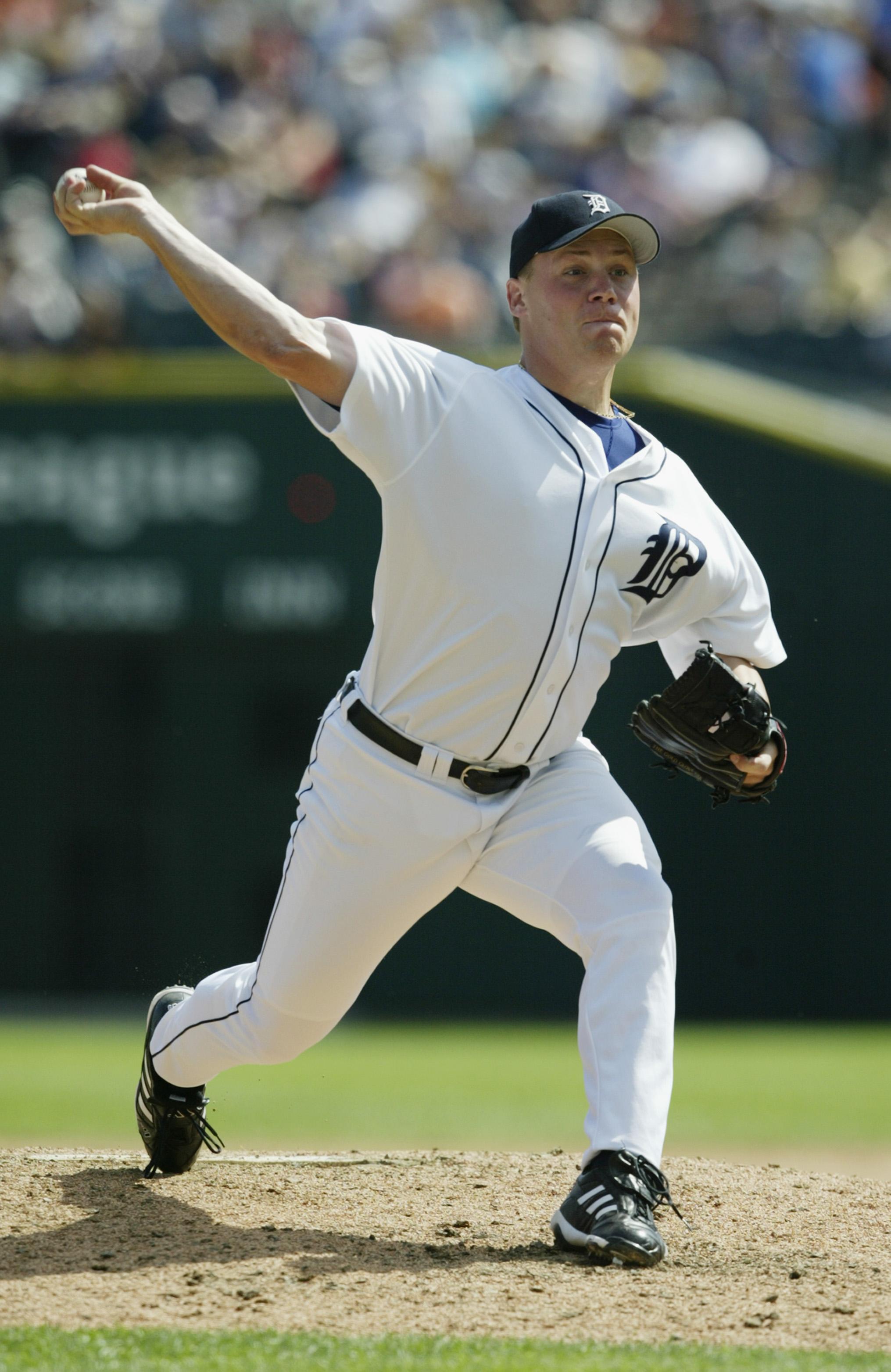 DETROIT- AUGUST 23:  Pitcher Matt Roney #52 of the Detroit Tigers delivers against the Anaheim Angels at Comerica Park on August 23, 2003 in Detroit, Michigan.  The Angels defeated the Tigers in 10 innings 14-8.  (Photo by Tom Pidgeon/Getty Images)