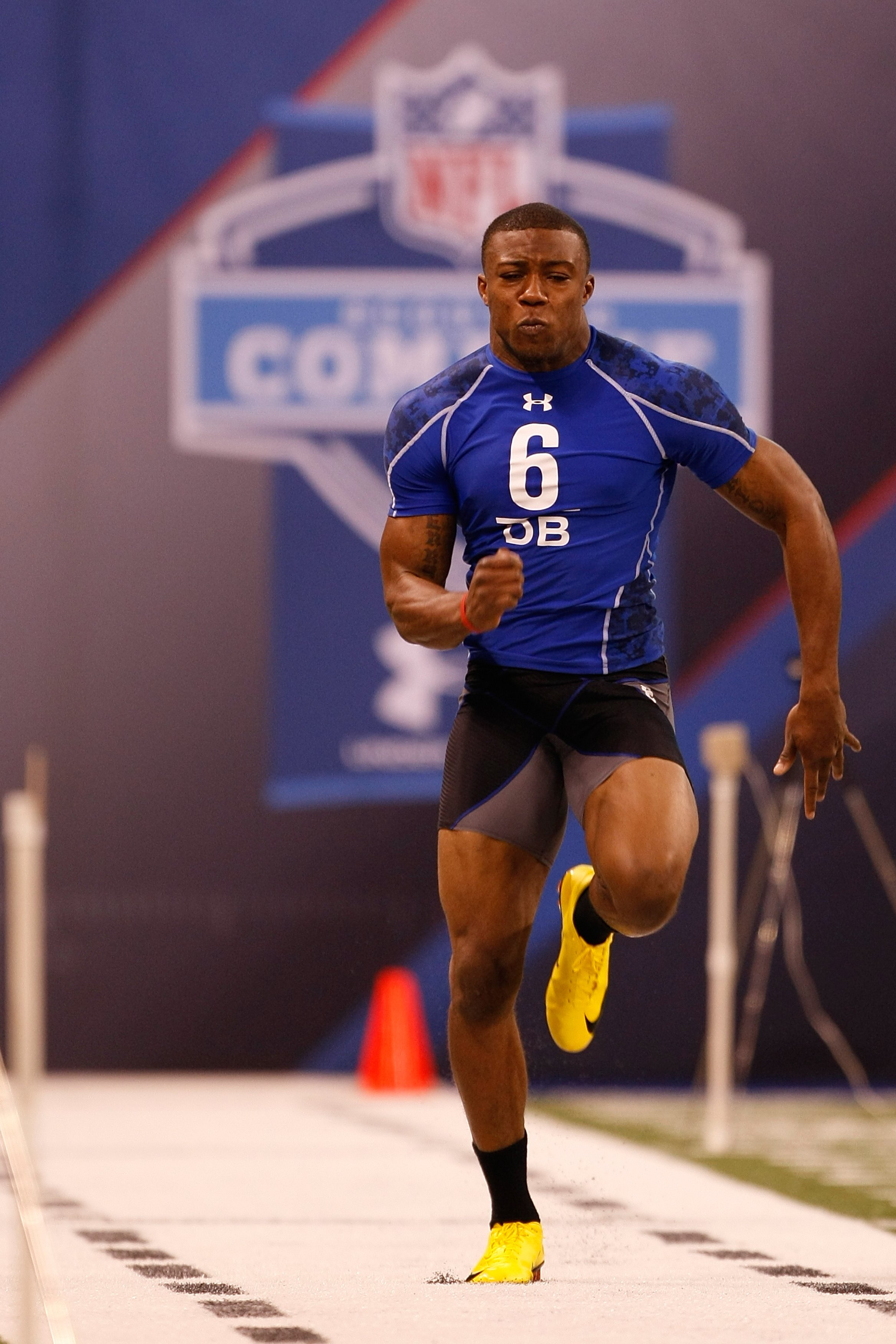 INDIANAPOLIS, IN - MARCH 2: Defensive back Eric Berry of Tennessee runs the 40 yard dash during the NFL Scouting Combine presented by Under Armour at Lucas Oil Stadium on March 2, 2010 in Indianapolis, Indiana. (Photo by Scott Boehm/Getty Images)