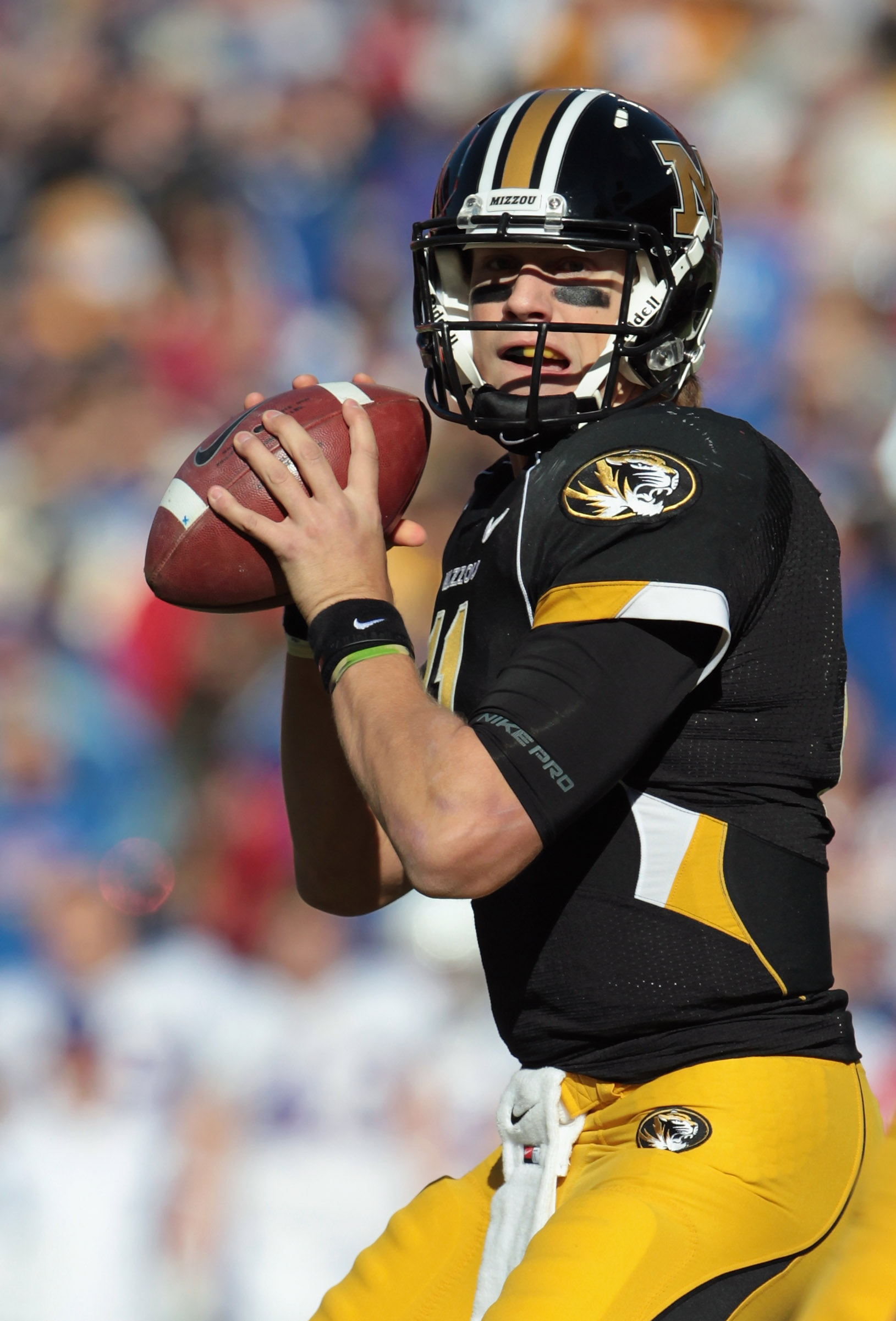 KANSAS CITY, MO - NOVEMBER 27:  Quarterback Blaine Gabbert #11 of the Missouri Tigers passes during the game against the Kansas Jayhawks on November 27, 2010 at Arrowhead Stadium in Kansas City, Missouri.  (Photo by Jamie Squire/Getty Images)