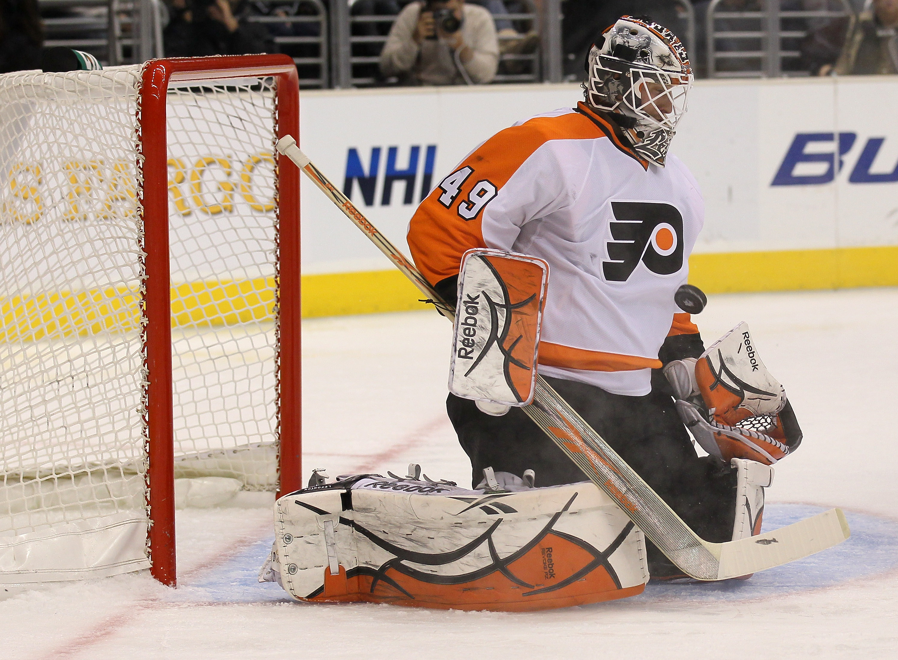 LOS ANGELES, CA - DECEMBER 30: Goaltender Michael Leighton #49 of the Philadelphia Flyers makes a save against the Los Angeles Kings at Staples Center on December 30, 2010 in Los Angeles, California.   (Photo by Stephen Dunn/Getty Images)