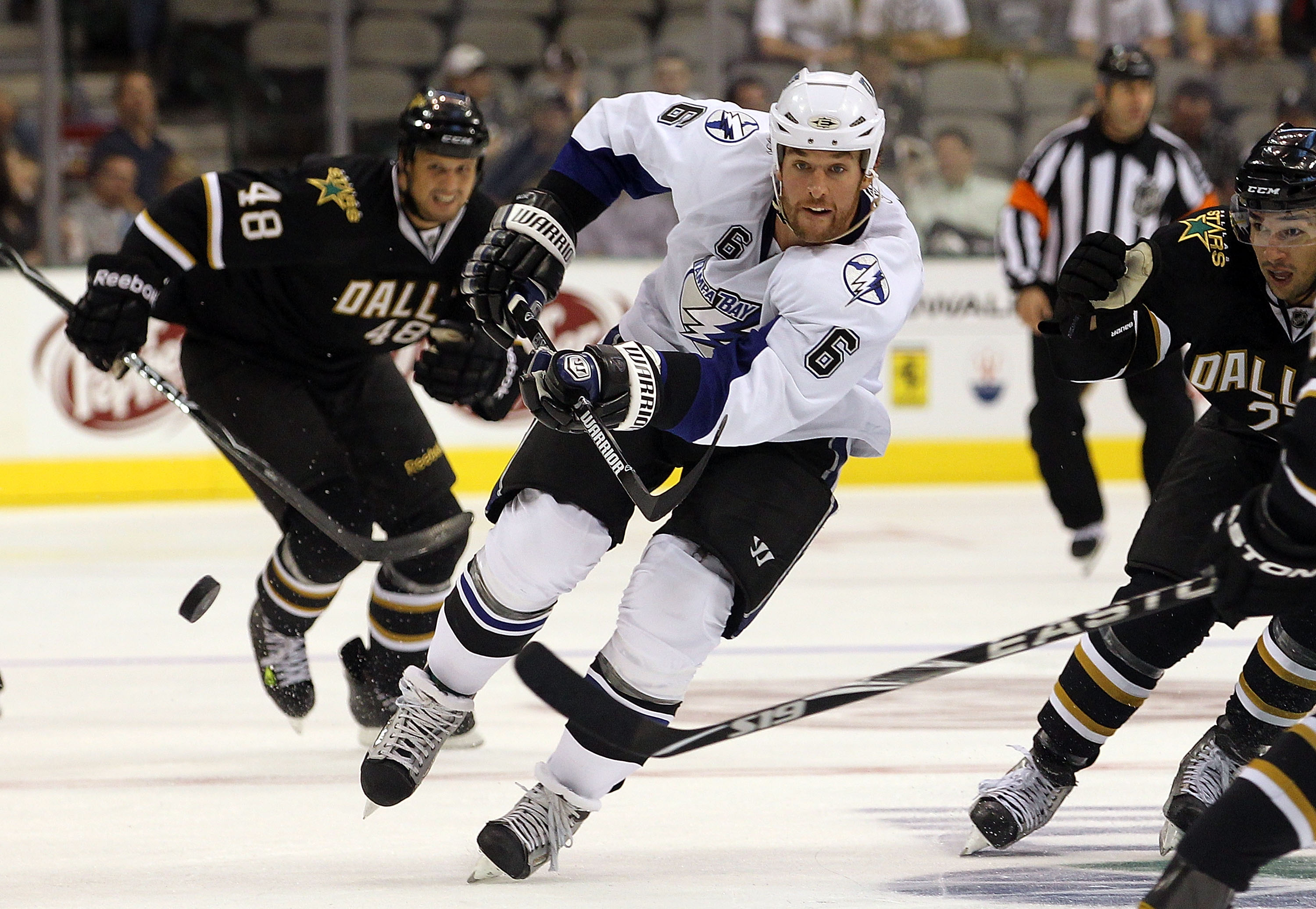 DALLAS - SEPTEMBER 21:  Right wing Ryan Malone #6 of the Tampa Bay Lightning at American Airlines Center on September 21, 2010 in Dallas, Texas.  (Photo by Ronald Martinez/Getty Images)