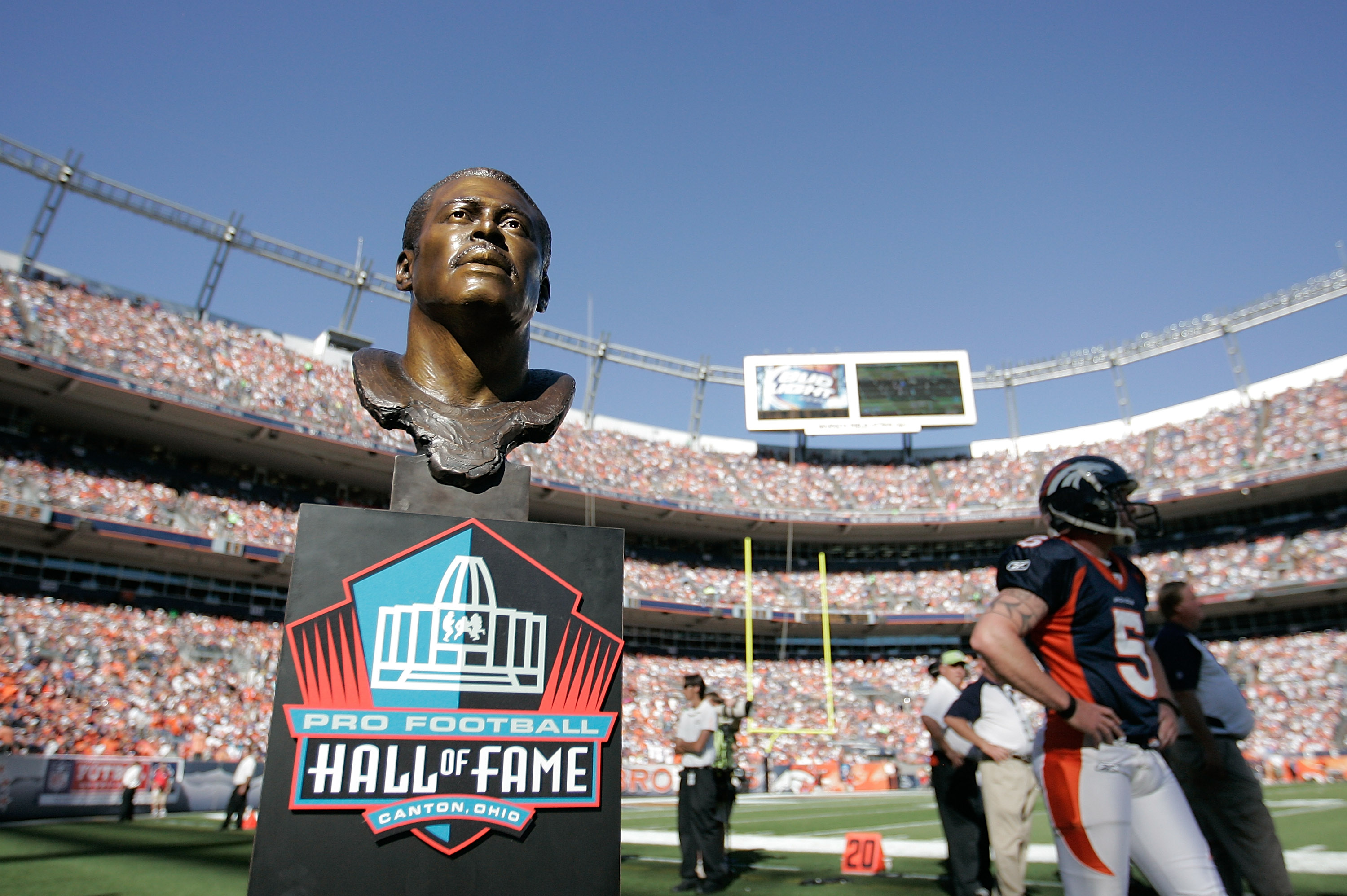 DENVER - SEPTEMBER 26:  A bronze statue of former Denver Broncos player and current Hall of Fame member Floyd Little waits on the sidelines before a ceremony to honor him at halftime against the Indianapolis Colts at INVESCO Field at Mile High on Septembe