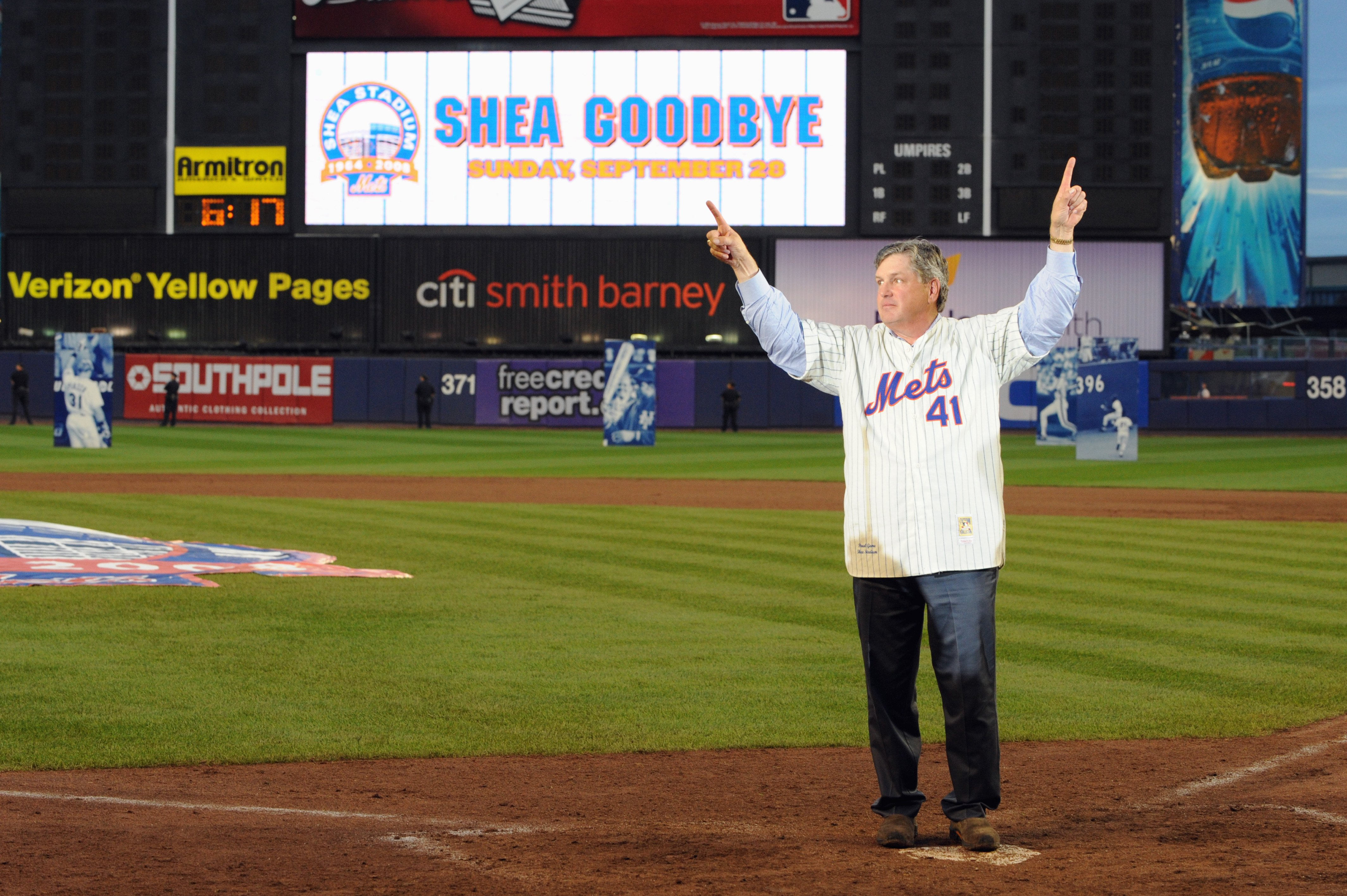 NEW YORK - SEPTEMBER 28:  Former New York Mets players Tom Seaver waves to the fans at home plate after the game against the Florida Marlins to commemorate the last regular season baseball game ever played in Shea Stadium on September 28, 2008 in the Flus