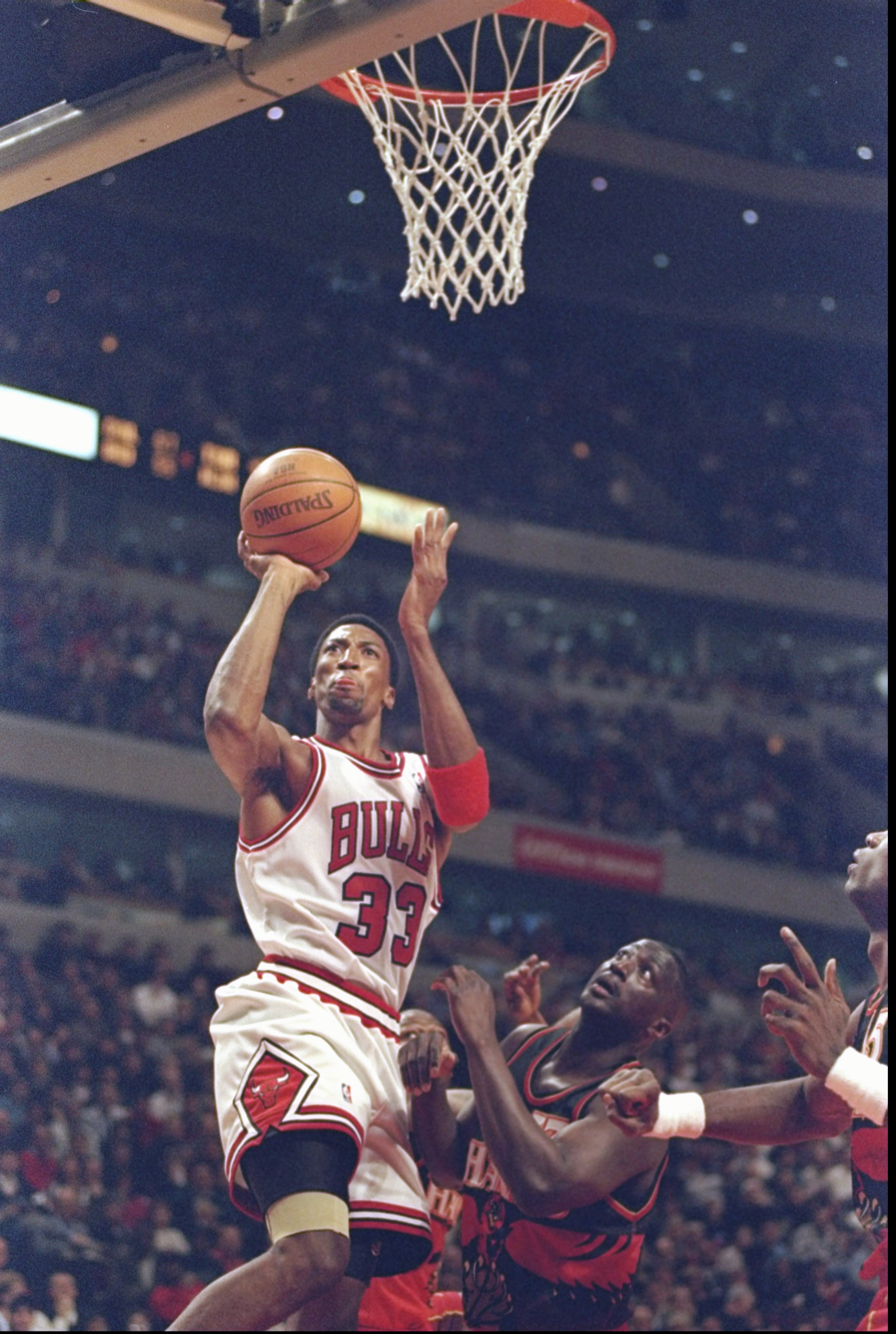 13 Feb 1998:  Guard Scottie Pippen of the Chicago Bulls goes up for two during a game against the Atlanta Hawks at the United Center in Chicago, Illinois.  The Bulls won the game, 112-110. Mandatory Credit: Jonathan Daniel  /Allsport