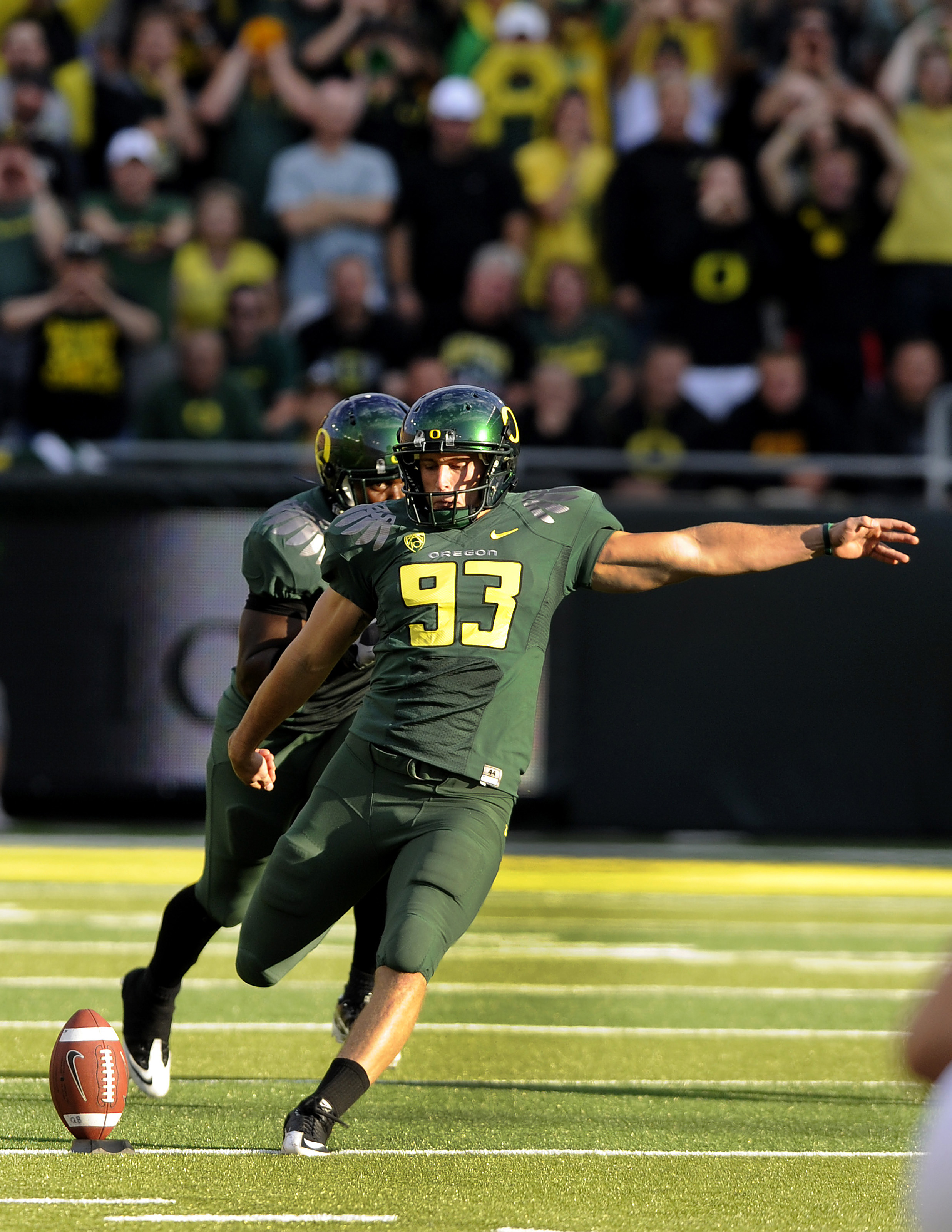 EUGENE, OR - OCTOBER 2: Kicker Rob Beard #93 of the Oregon Ducks kicks a kickoff in the first quarter of he game against the Stanford Cardinal at Autzen Stadium on October 2, 2010 in Eugene, Oregon. Oregon won the game 52-31. (Photo by Steve Dykes/Getty I