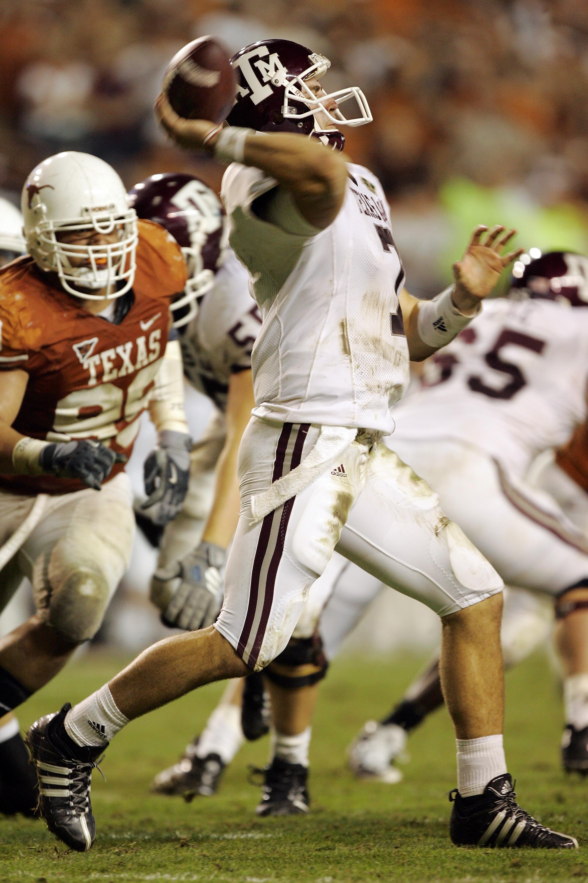 AUSTIN, TX - NOVEMBER 27:  Quarterback Stephen McGee #7 of the Texas A&M Aggies throws against the Texas Longhorns at Darrell K Royal-Texas Memorial Stadium November 27, 2008 in Austin, Texas.  Texas won 49-9.  (Photo by Brian Bahr/Getty Images)