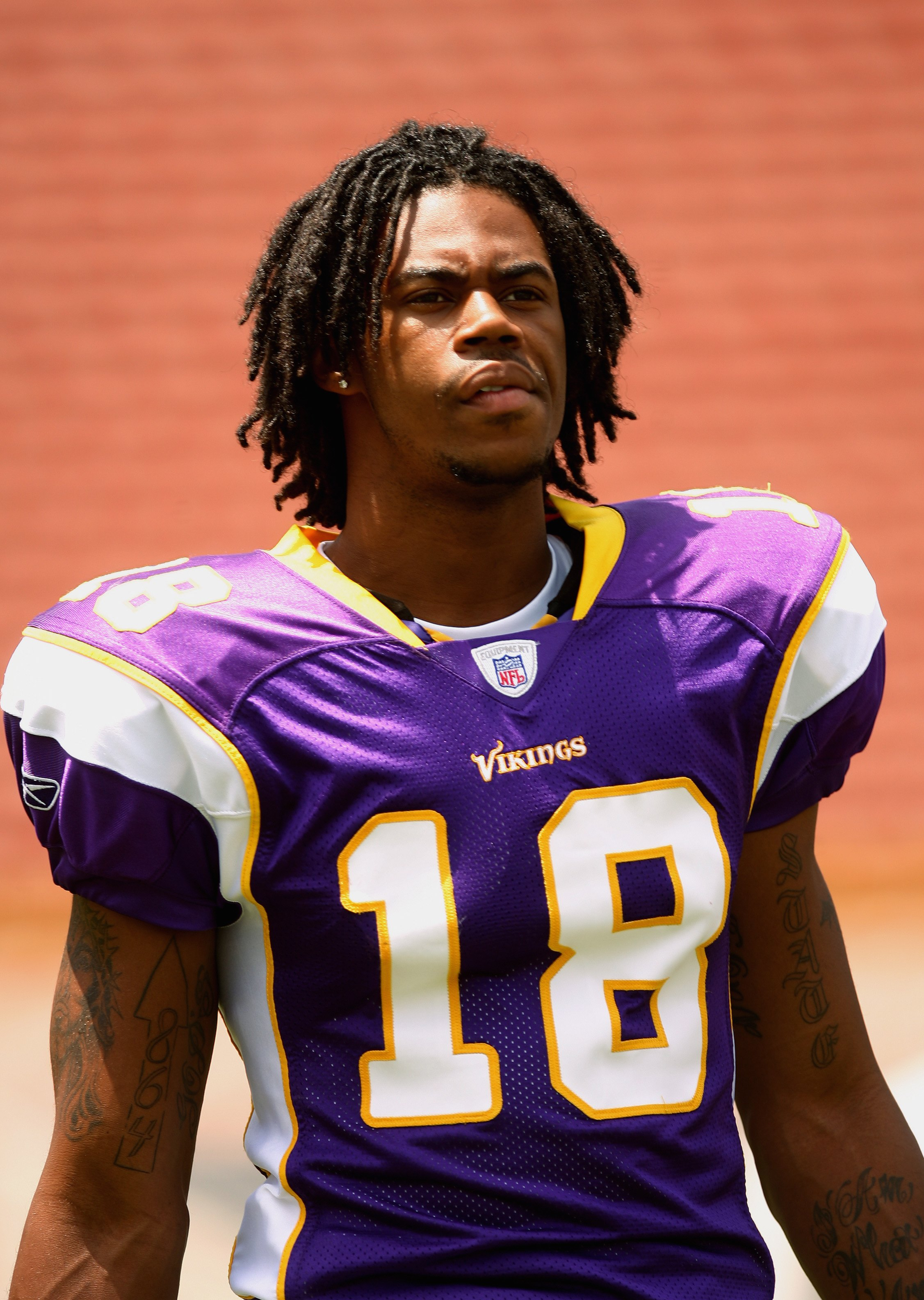 LOS ANGELES, CA - MAY 19: Wide receiver, Sidney Rice #18 of the Minnesota Vikings at the 2007 NFL Players Rookie Premiere on May 19, 2007 at the Los Angeles Memorial Coliseum in Los Angeles, California. (Photo by Nick Laham/Getty Images)