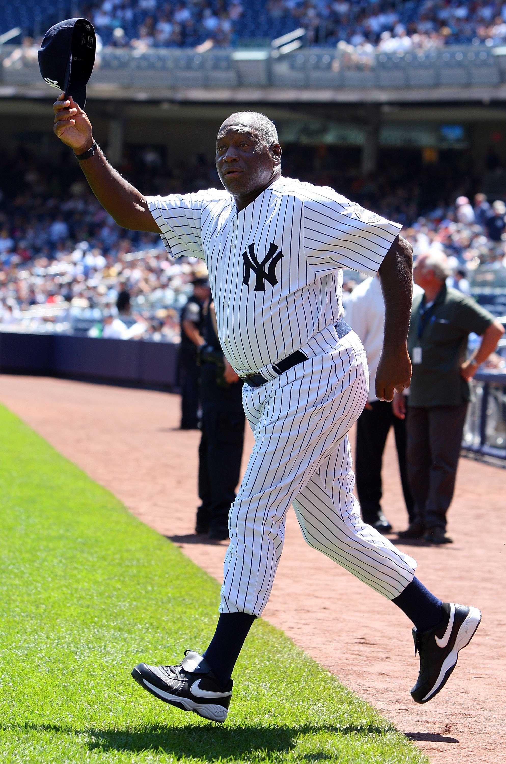 NEW YORK - JULY 19:  Former New York Yankee Al Downing waves to the crowd during the teams 63rd Old Timers Day before the game against the Detroit Tigers on July 19, 2009 at Yankee Stadium in the Bronx borough of New York City.  (Photo by Jim McIsaac/Gett