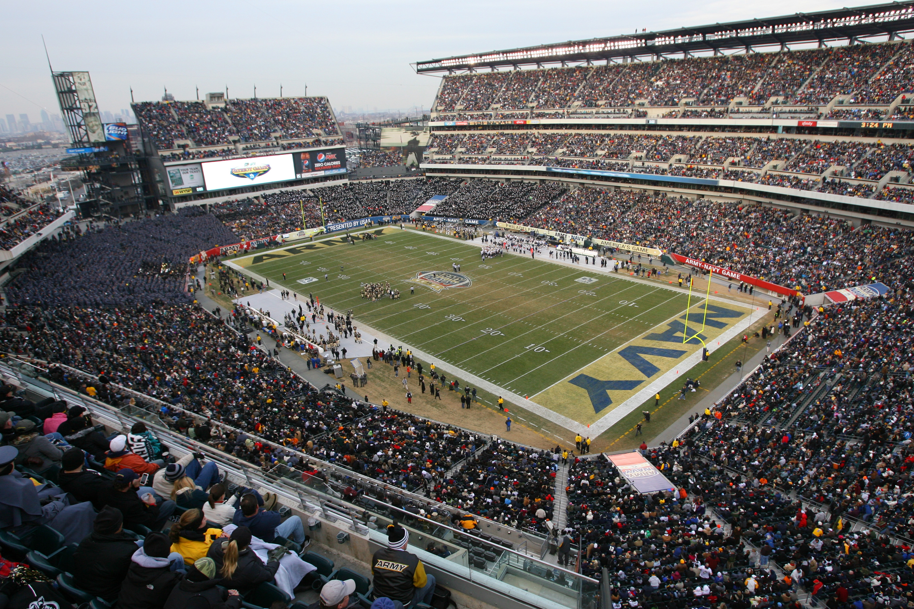 PHILADELPHIA - DECEMBER 11: A view of the field during a game between the Army Black Knights and the Navy Midshipmen on December 11, 2010 at Lincoln Financial Field in Philadelphia, Pennsylvania. The Midshipmen won 31-17. (Photo by Hunter Martin/Getty Ima